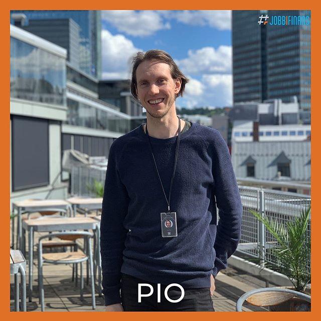 Denne uken er det Pio som skal vise oss sin jobbhverdag som utvikler hos @fremtind ! Han har en bachelor i informatikk og en bachelor i samfunnsgeografi, begge fra @unioslo 👏🏼👏🏼 Følg med på story!