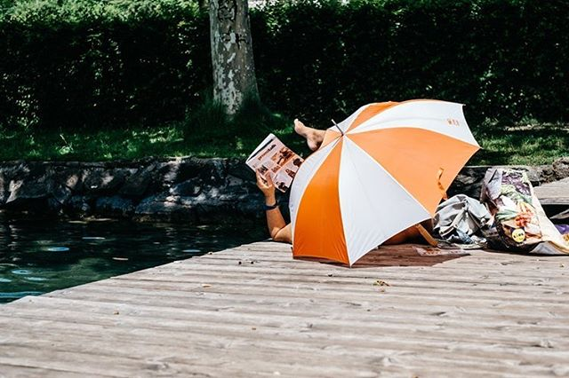 Det er juni og mange som jobber har enten fått eller skal få feriepenger, men hva burde man bruke de på? Vi har snakket med forbrukerøkonom Cecilie Tvetenstrand fra @danskebankno 💸 Link i bio!