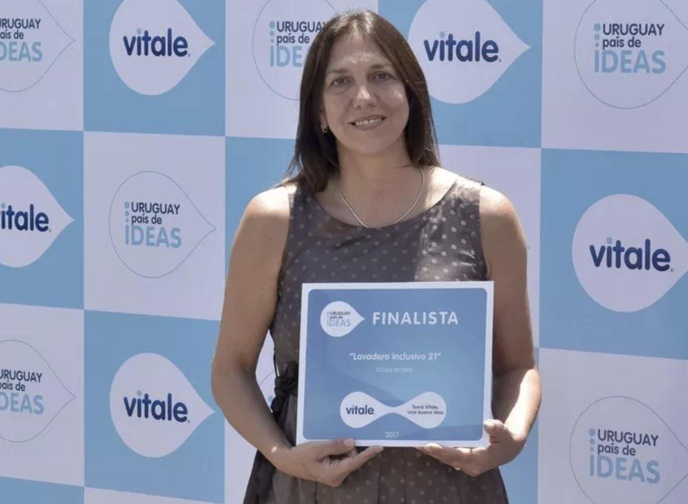 Vitale premió al ganador del concurso #uruguaypaísdeideas -