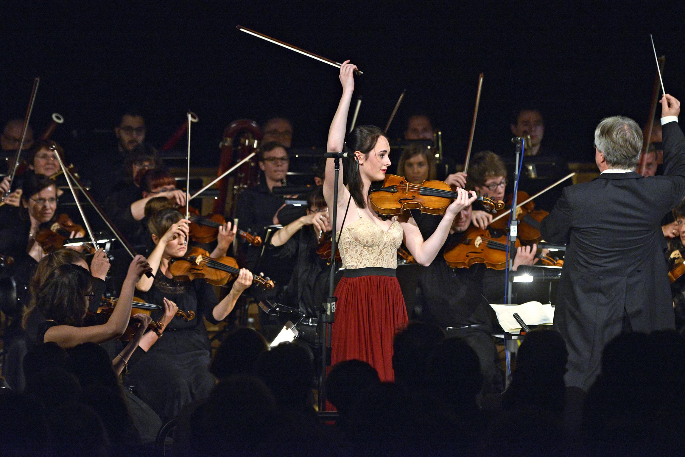 Anne Luisa Kramb zusammen mit dem Collegium Musicum