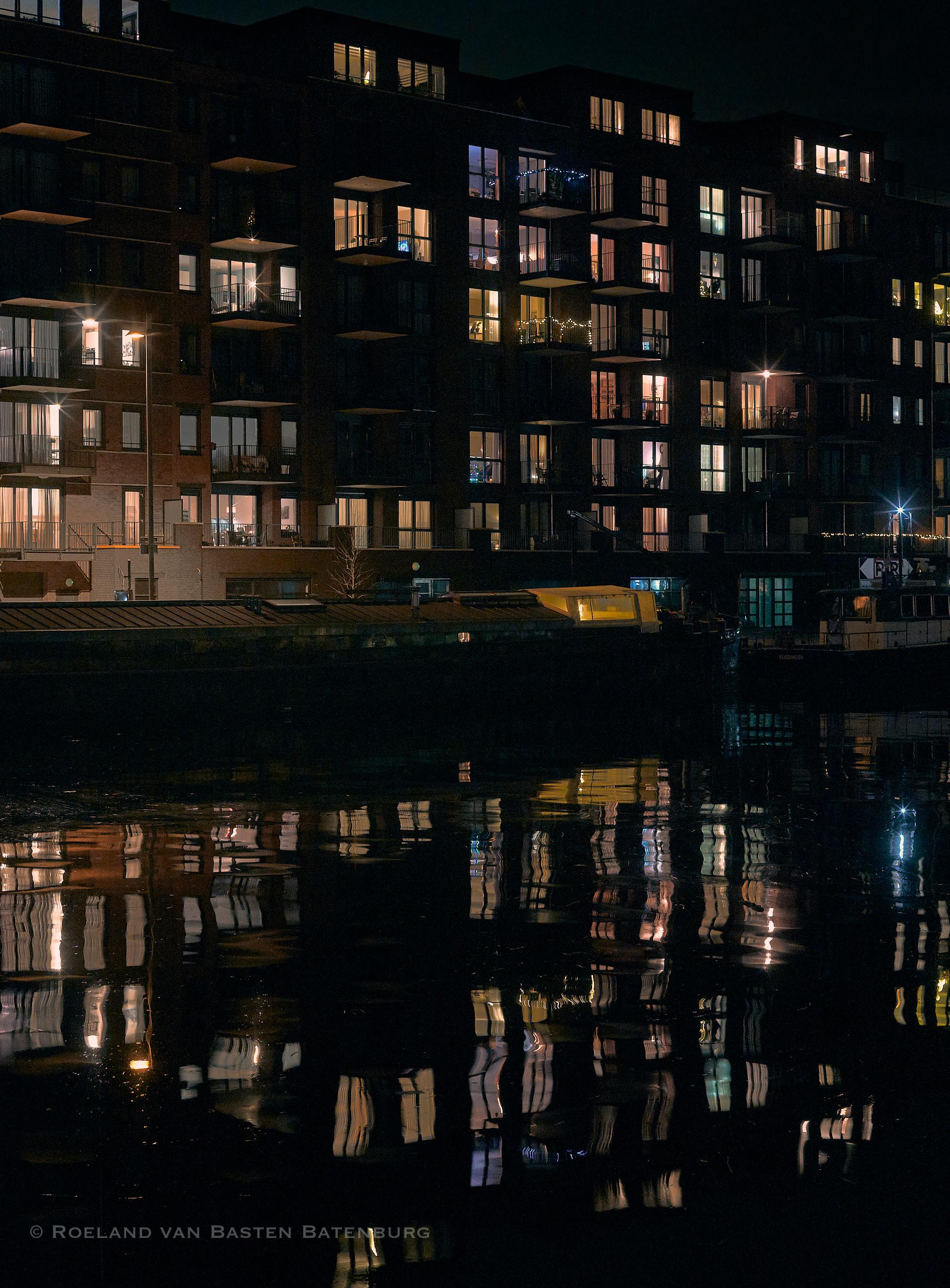 Terneuzen in December. De foto is redelijk uniek want het waait hier bijna altijd dus je ziet nooit zulke reflectie in het water