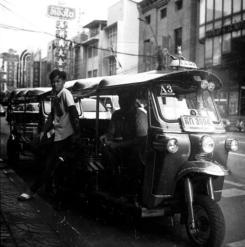 Yaowarat Rd, Bangkok - Yashica Mat124G