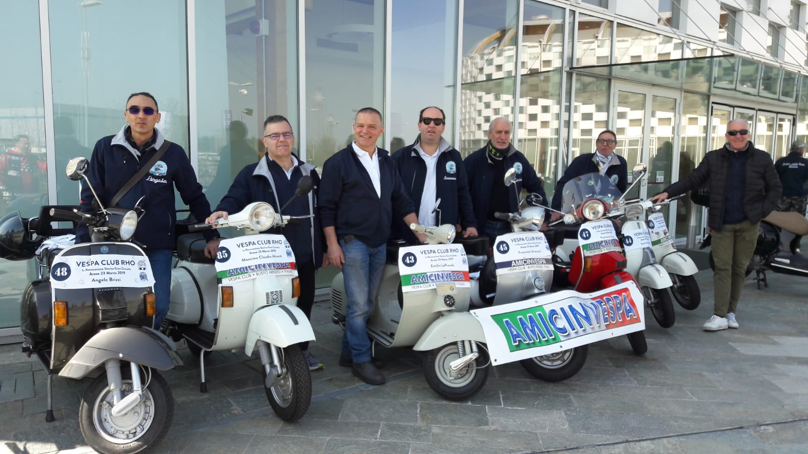 Members of Vespa Club Busto Arsizio Amicinvespa & Vespa Club Rho