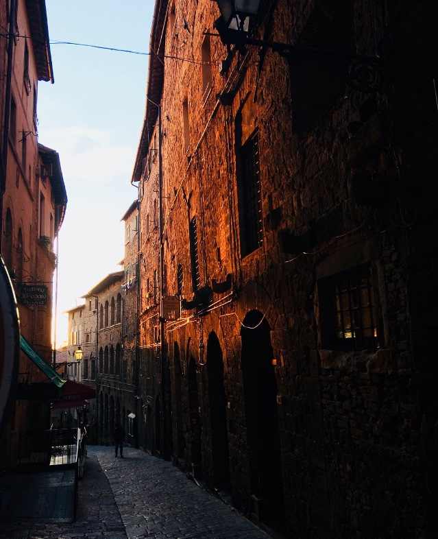 Deep terracotta tones illuminated in Volterra's evening sun - photo by Paul Hart October 2017