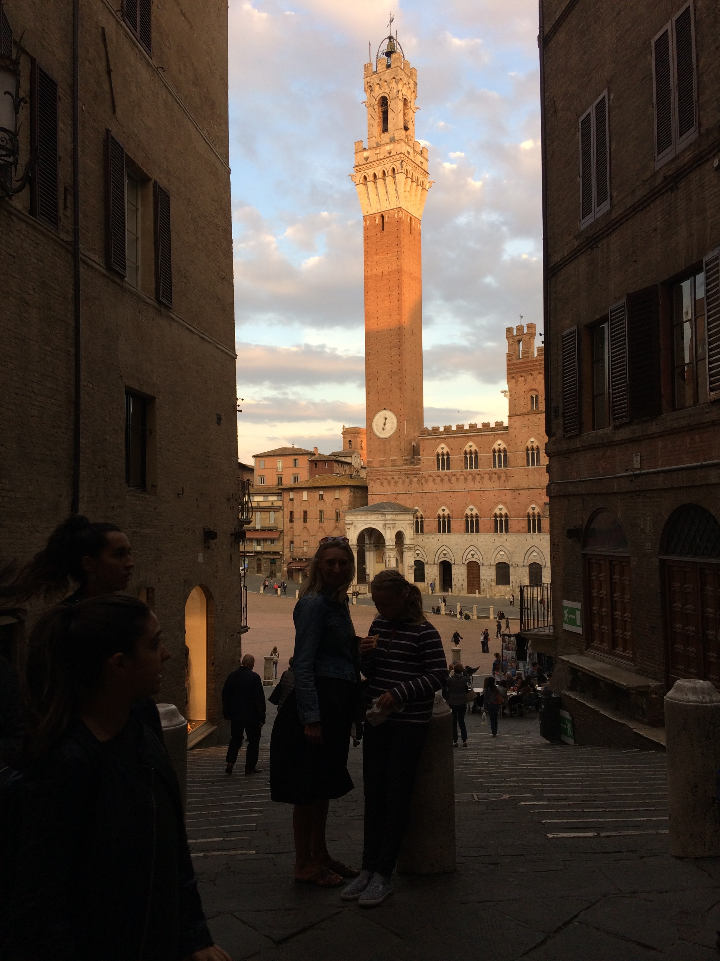 Looking into Siena's Piazza Del Campo and the incredible Torre Del Mangia - October 2018