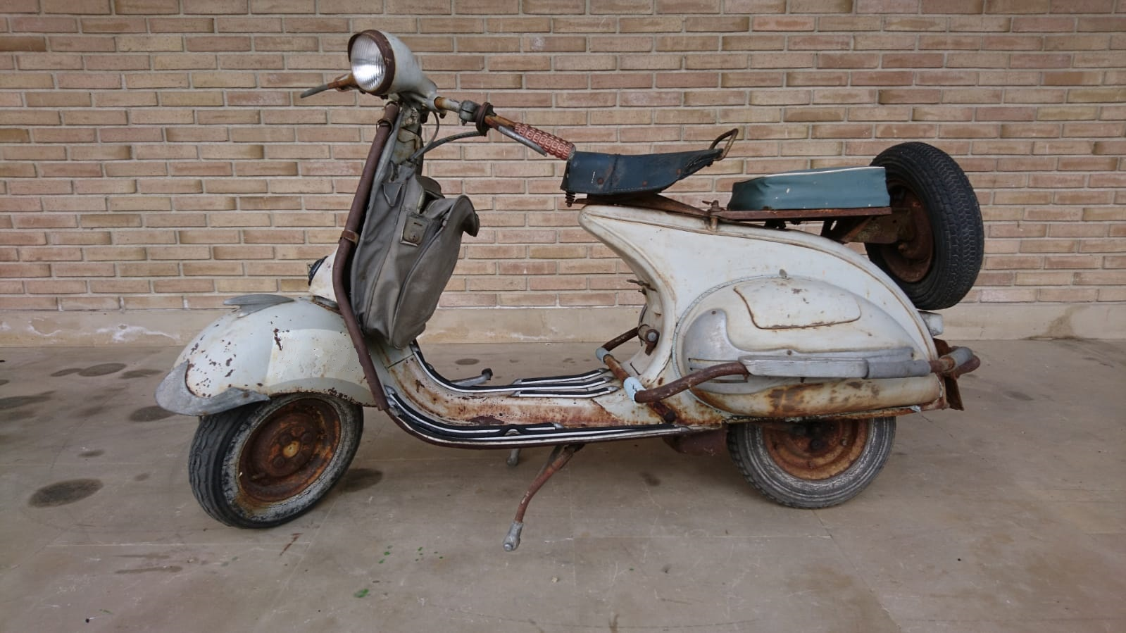 1956 Motovespa 125 N in its original factory paint..