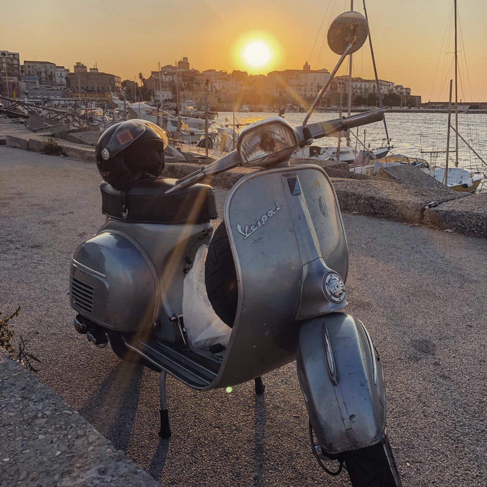 Federico's lovely original Sprint catching some evening rays in Termoli