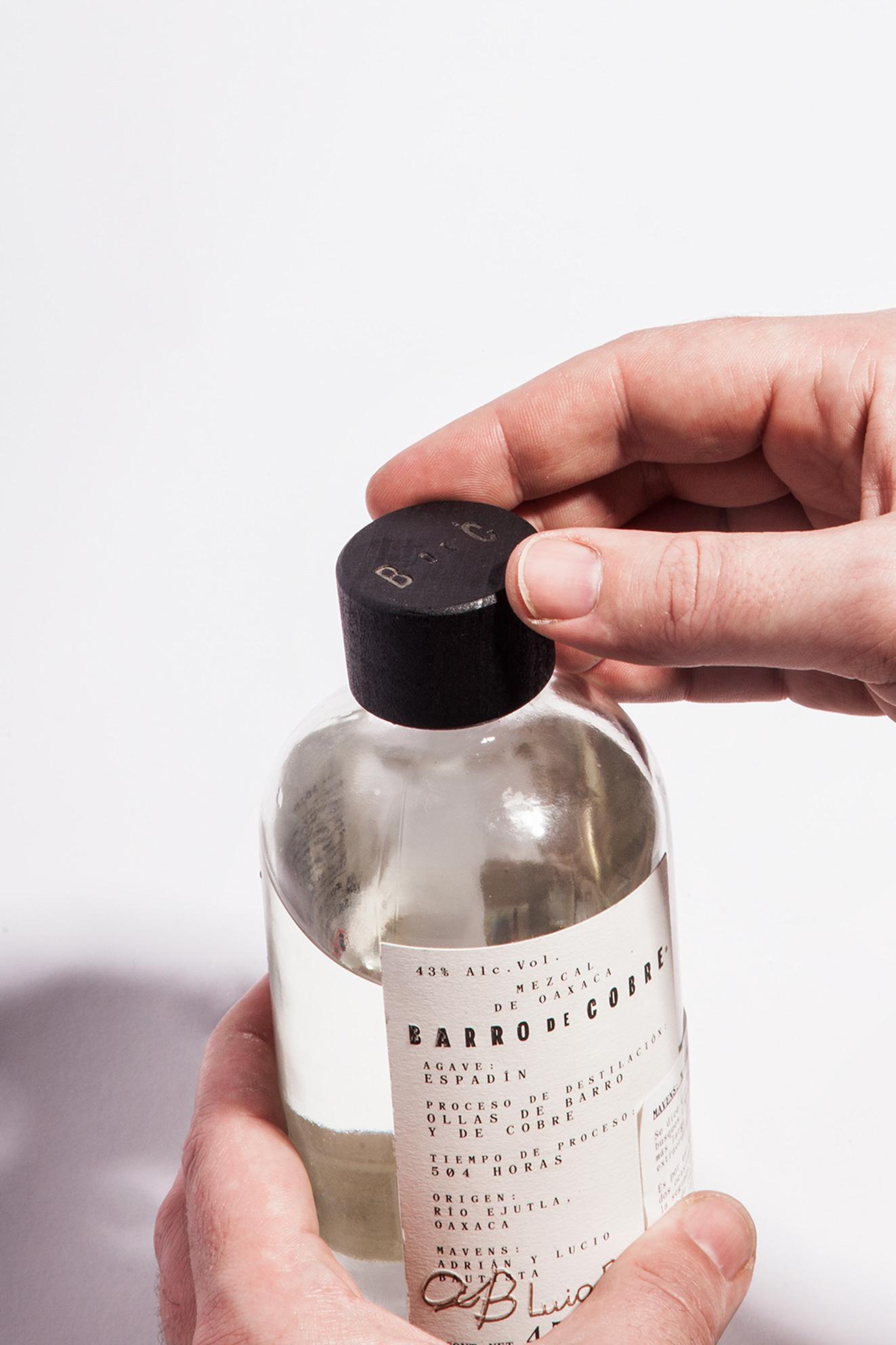 botellamezcalbarrodecobre1.jpg
