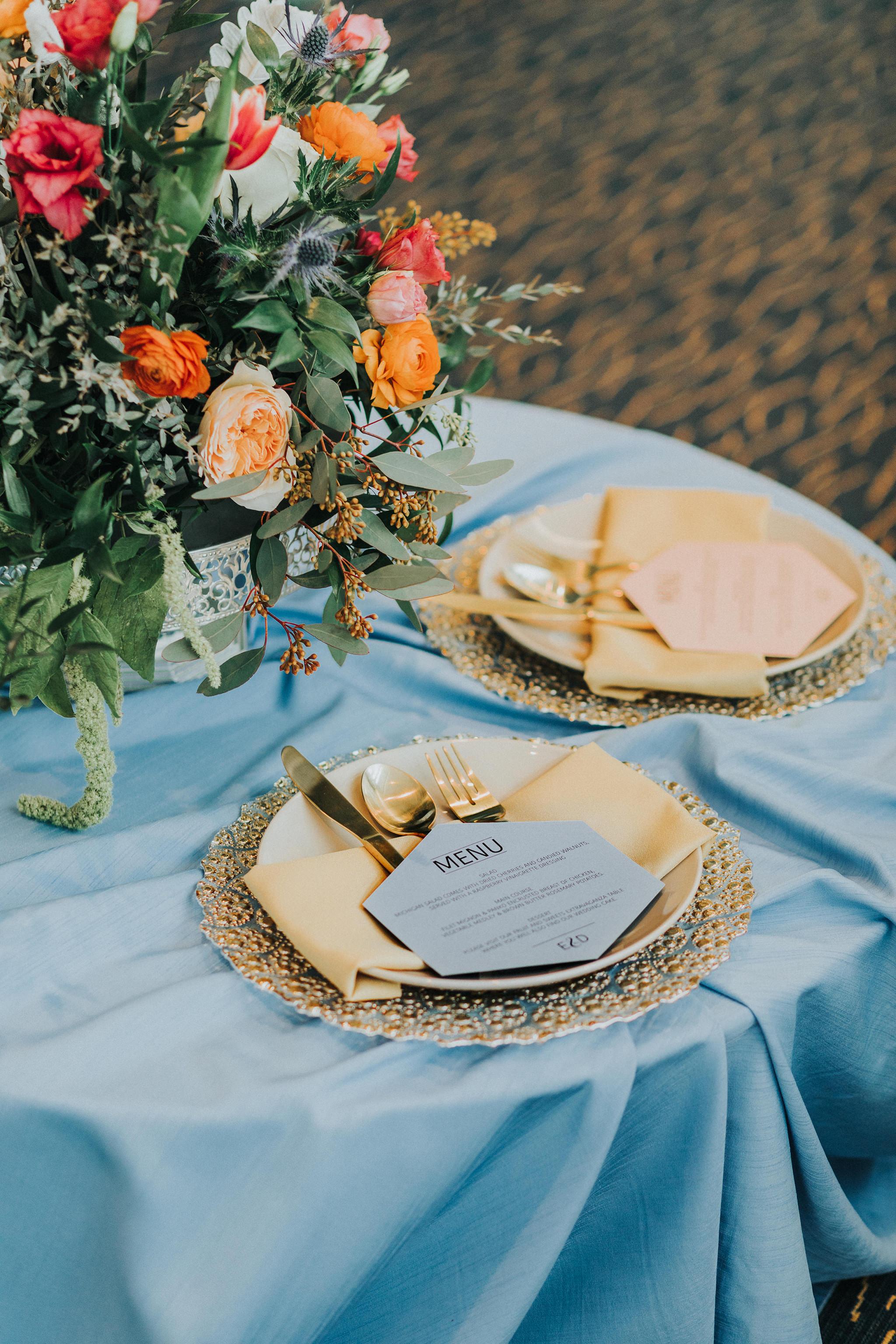 6omaha-wedding-photographer-planner-tiny-luxe-velvet-sage.jpg