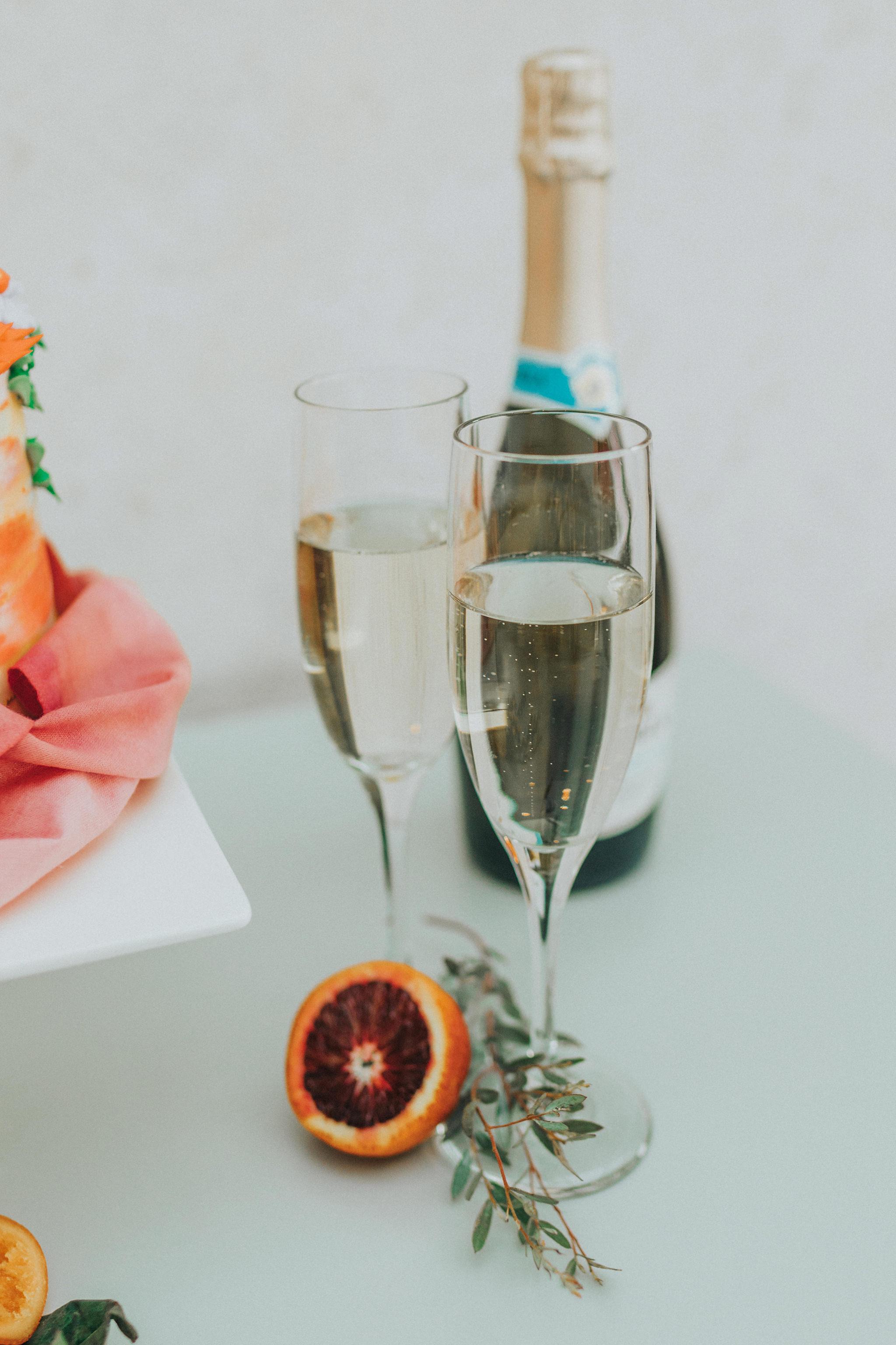 31omaha-wedding-photographer-planner-tiny-luxe-velvet-sage.jpg