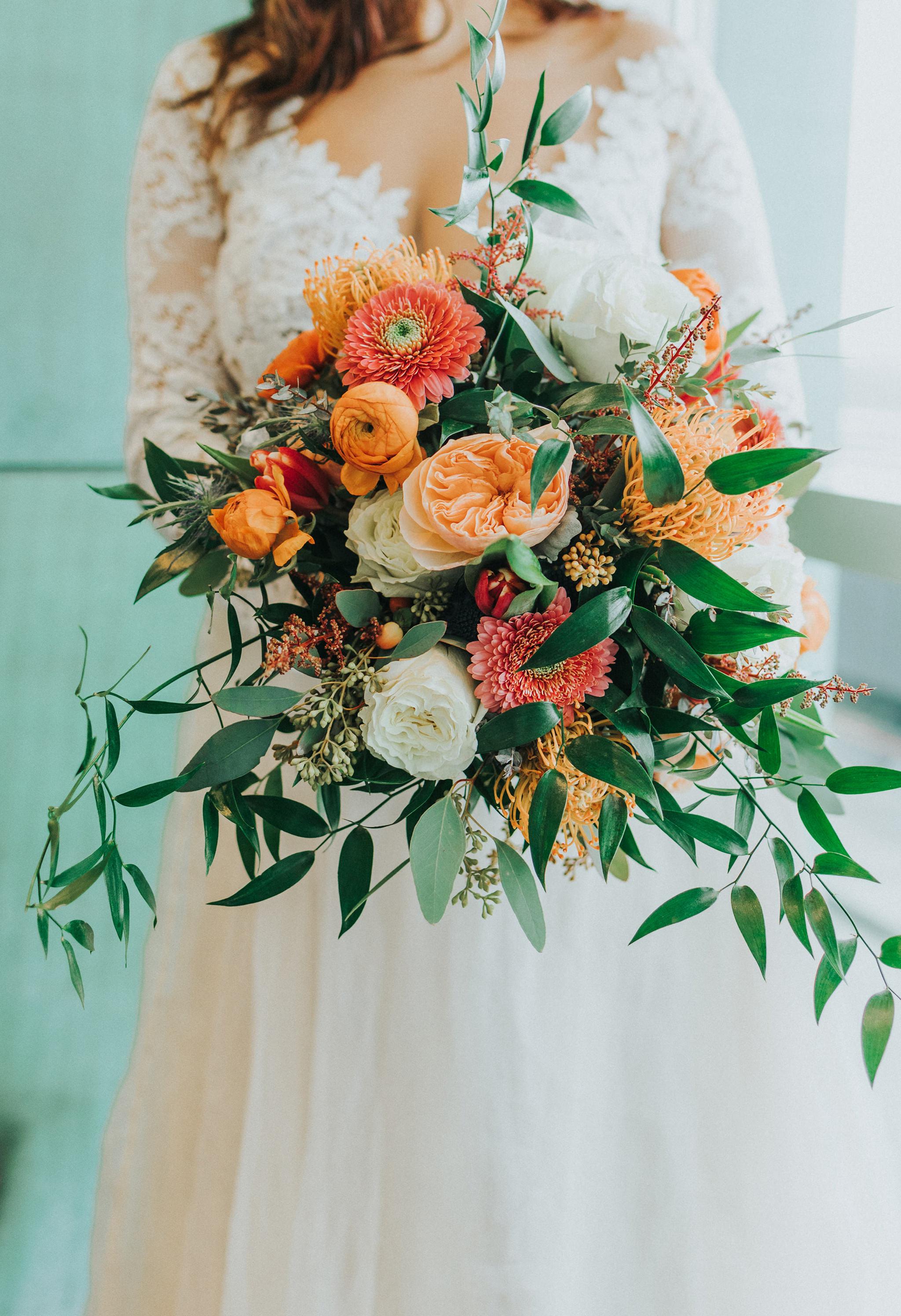 36 omaha-wedding-photographer-planner-tiny-luxe-velvet-sage.jpg