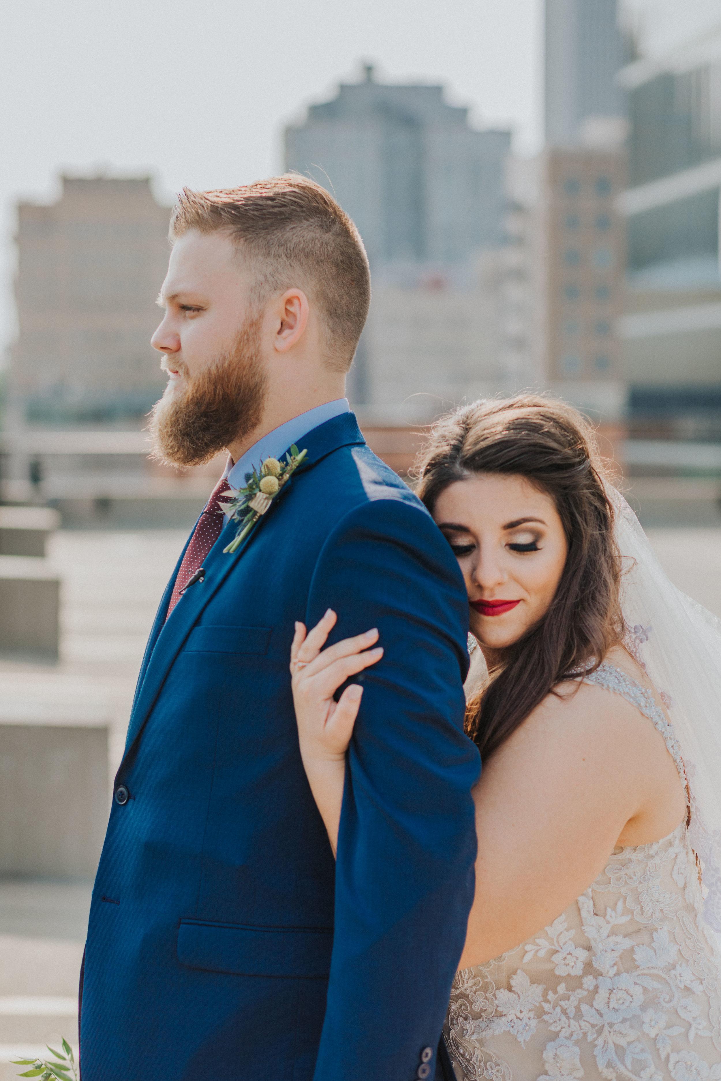 18omaha-old-market-intimate-summer-wedding-tiny-luxe-elopement.jpg