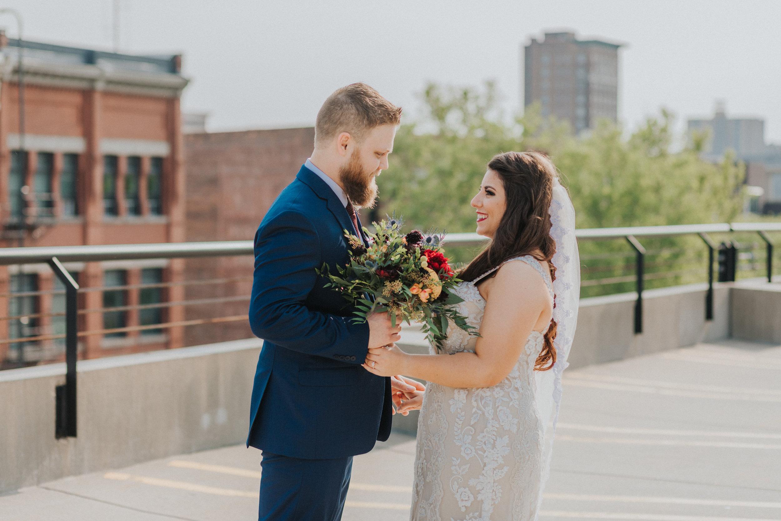 25omaha-old-market-intimate-summer-wedding-tiny-luxe-elopement.jpg