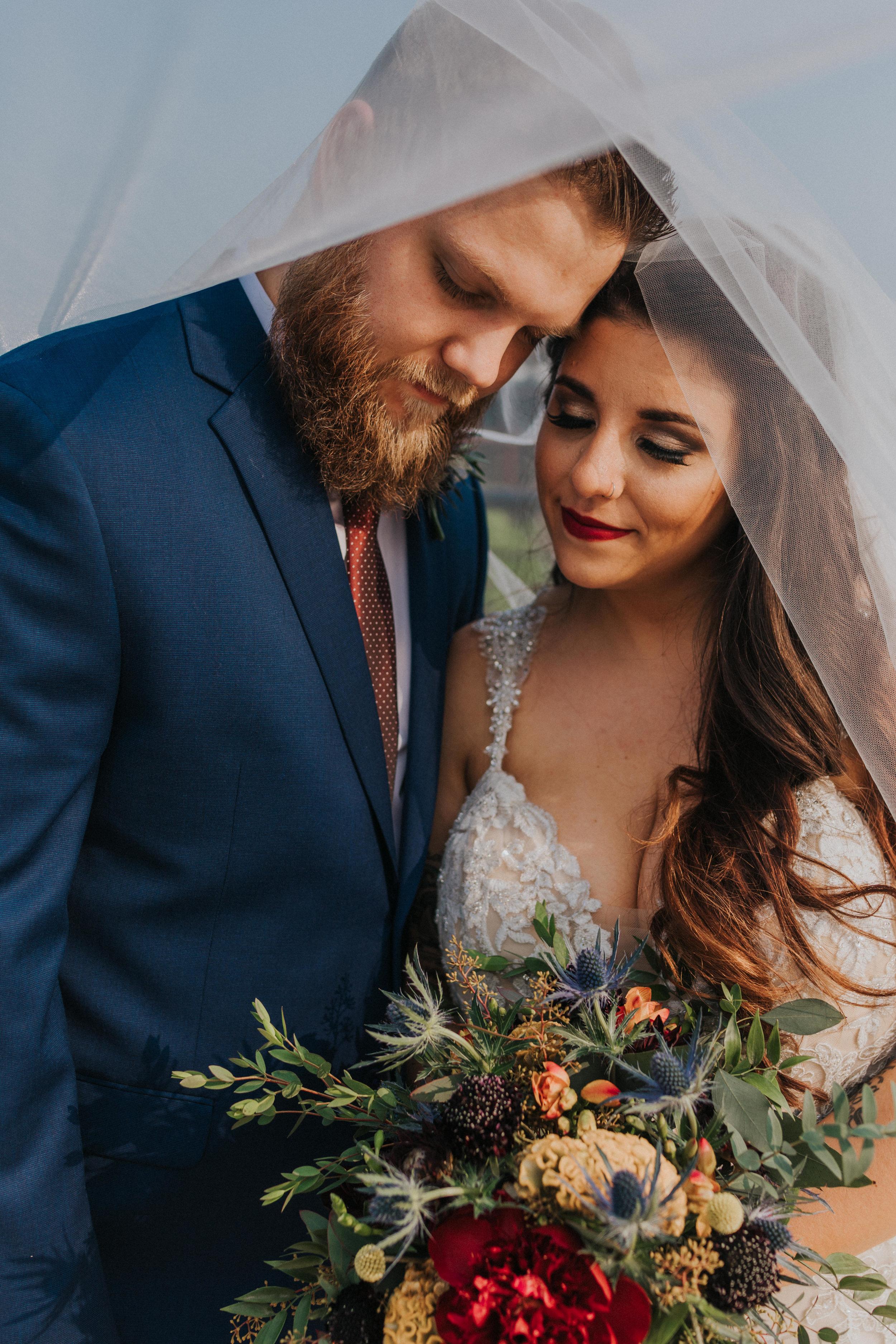 50omaha-old-market-intimate-summer-wedding-tiny-luxe-elopement.jpg