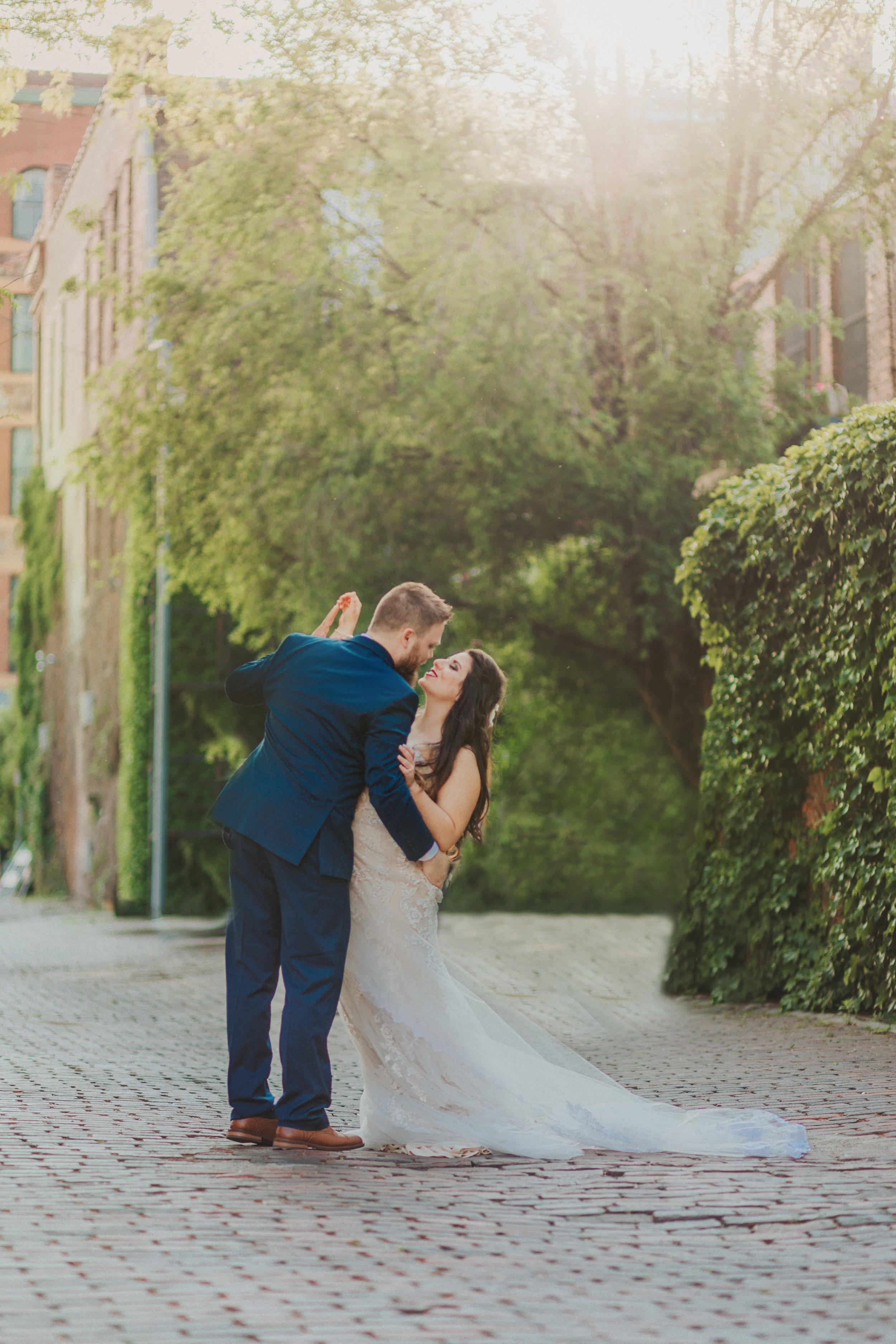 145omaha-old-market-intimate-summer-wedding-tiny-luxe-elopement.jpg