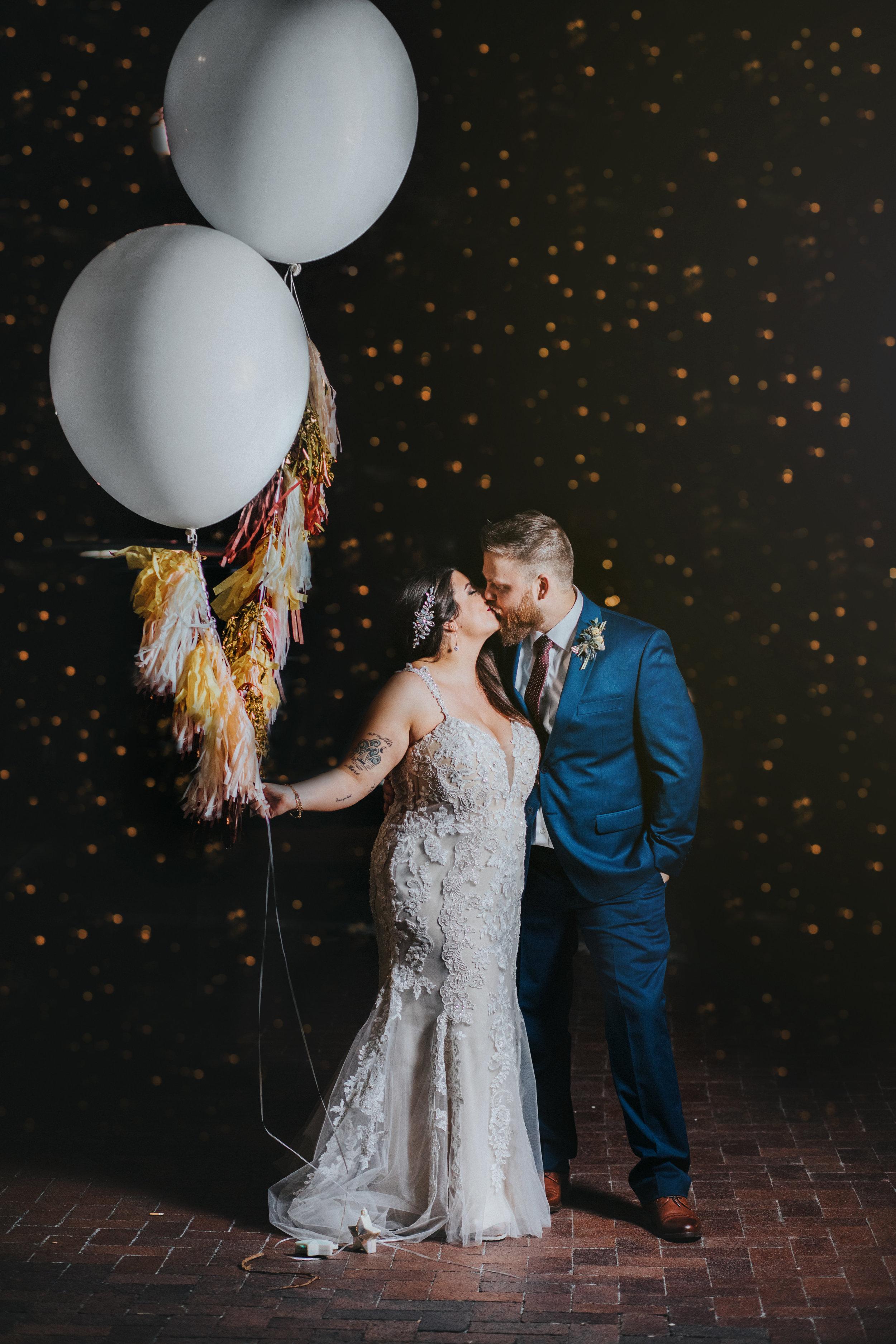 244omaha-old-market-intimate-summer-wedding-tiny-luxe-elopement.jpg