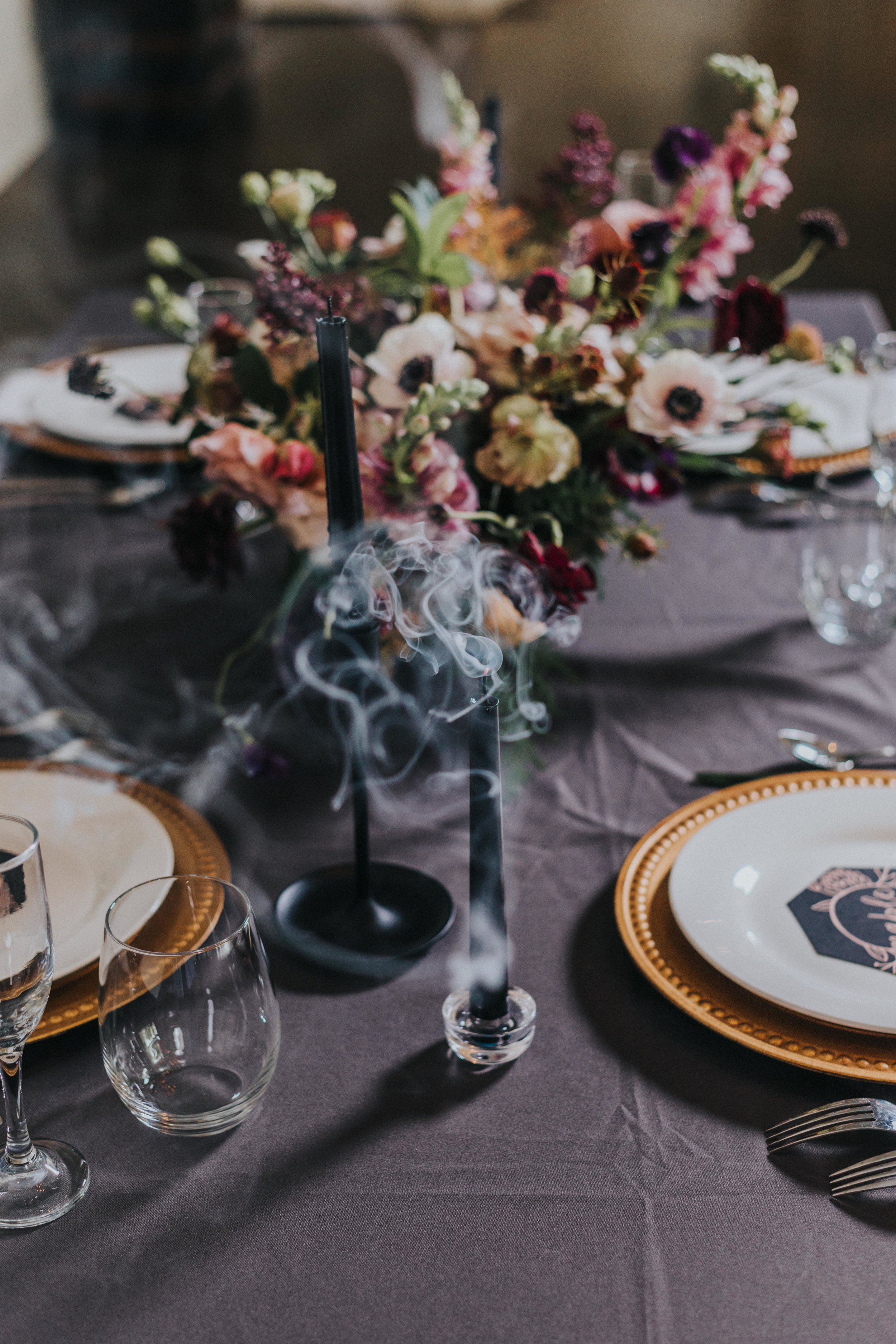 115 tiny-luxe-weddings-omaha-nebraska-midwest-empire-room.jpg