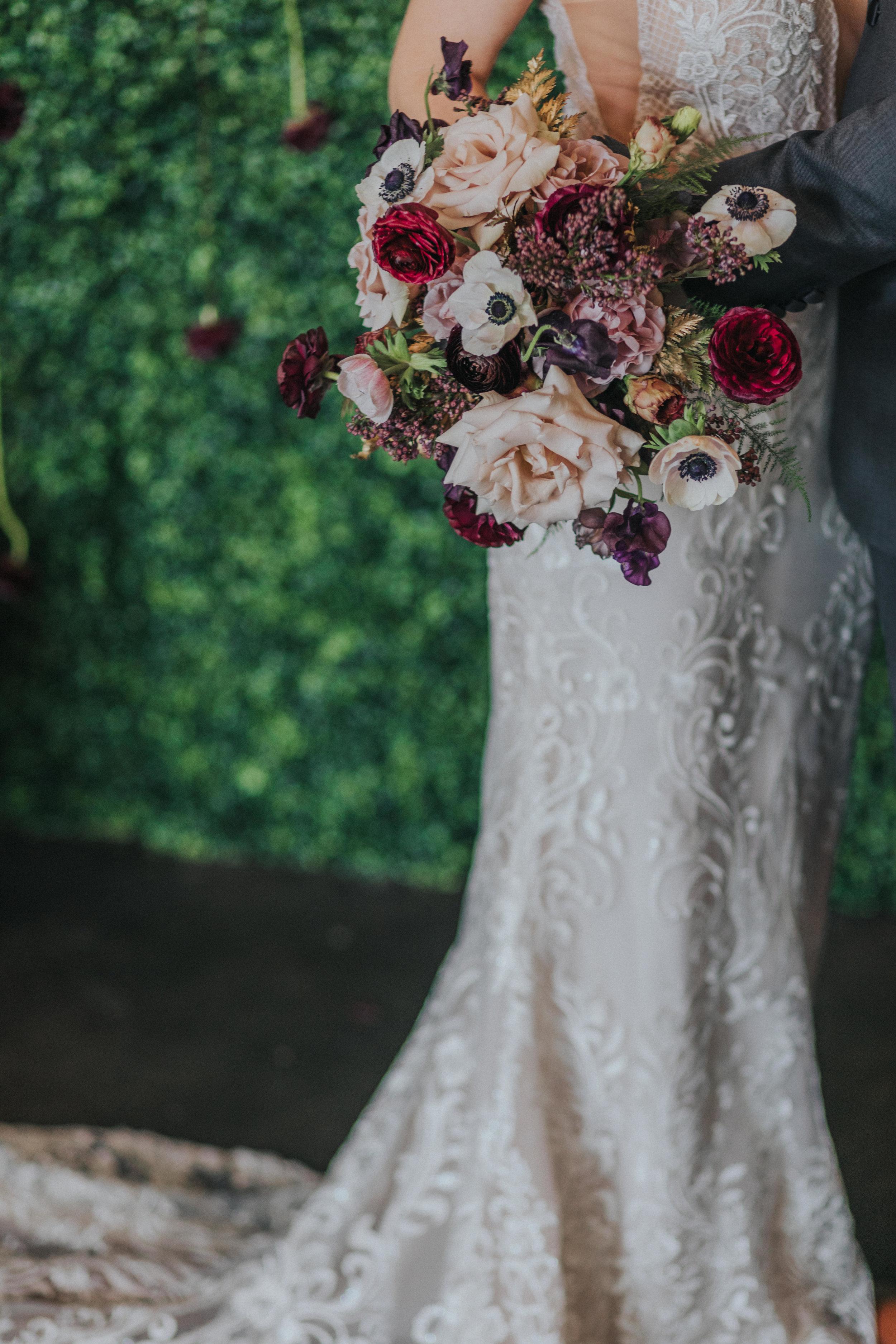 121 tiny-luxe-weddings-omaha-nebraska-midwest-empire-room.jpg