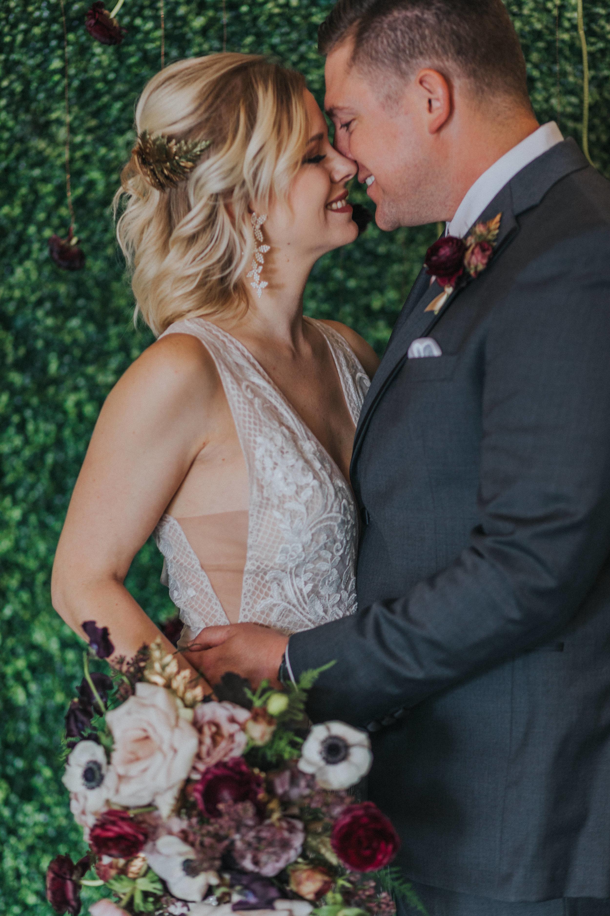 123 tiny-luxe-weddings-omaha-nebraska-midwest-empire-room.jpg