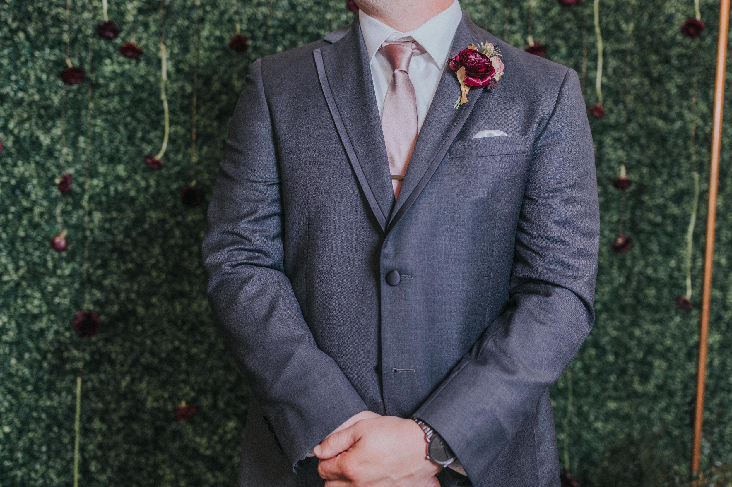 134 tiny-luxe-weddings-omaha-nebraska-midwest-empire-room.jpg
