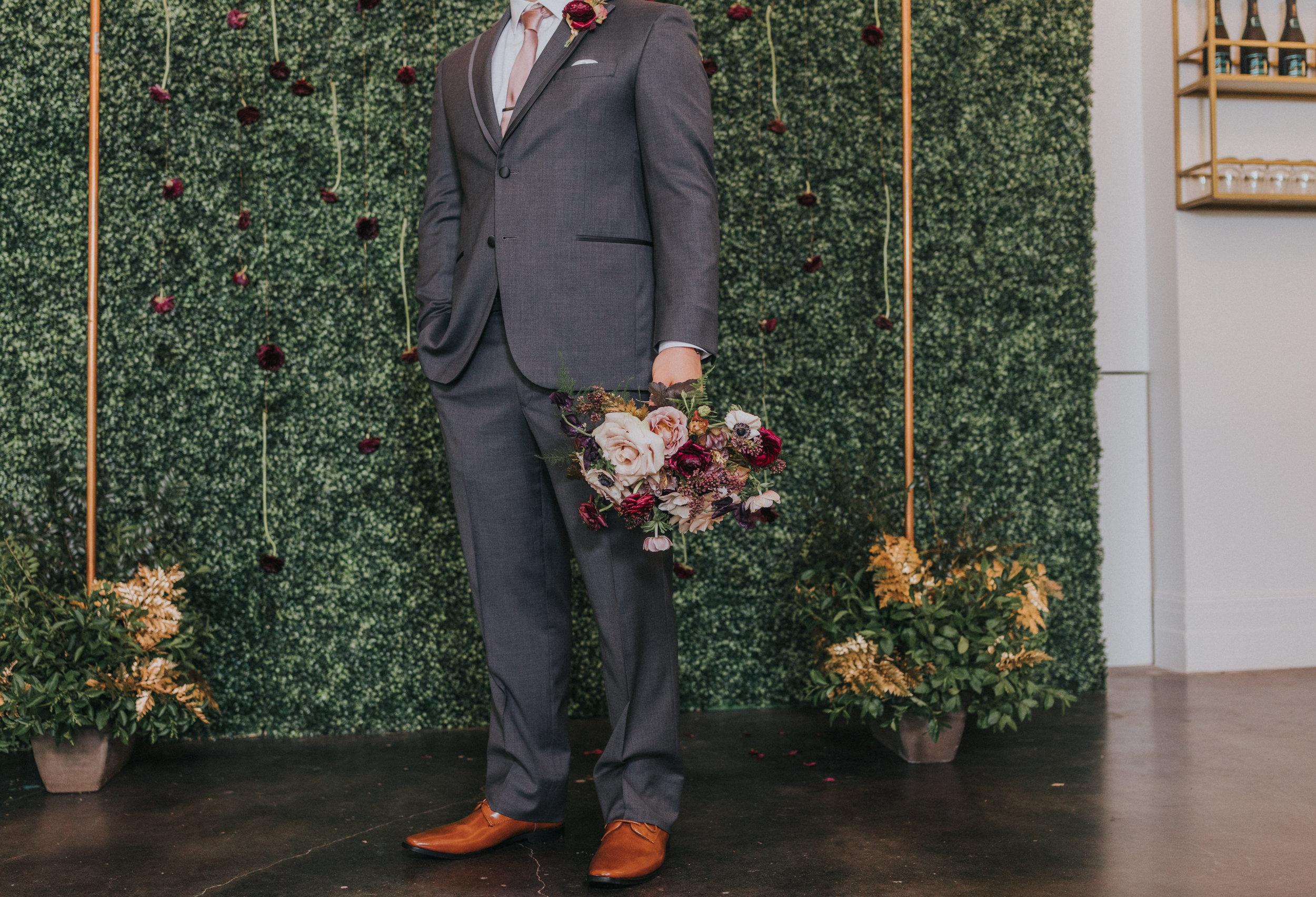 136 tiny-luxe-weddings-omaha-nebraska-midwest-empire-room.jpg