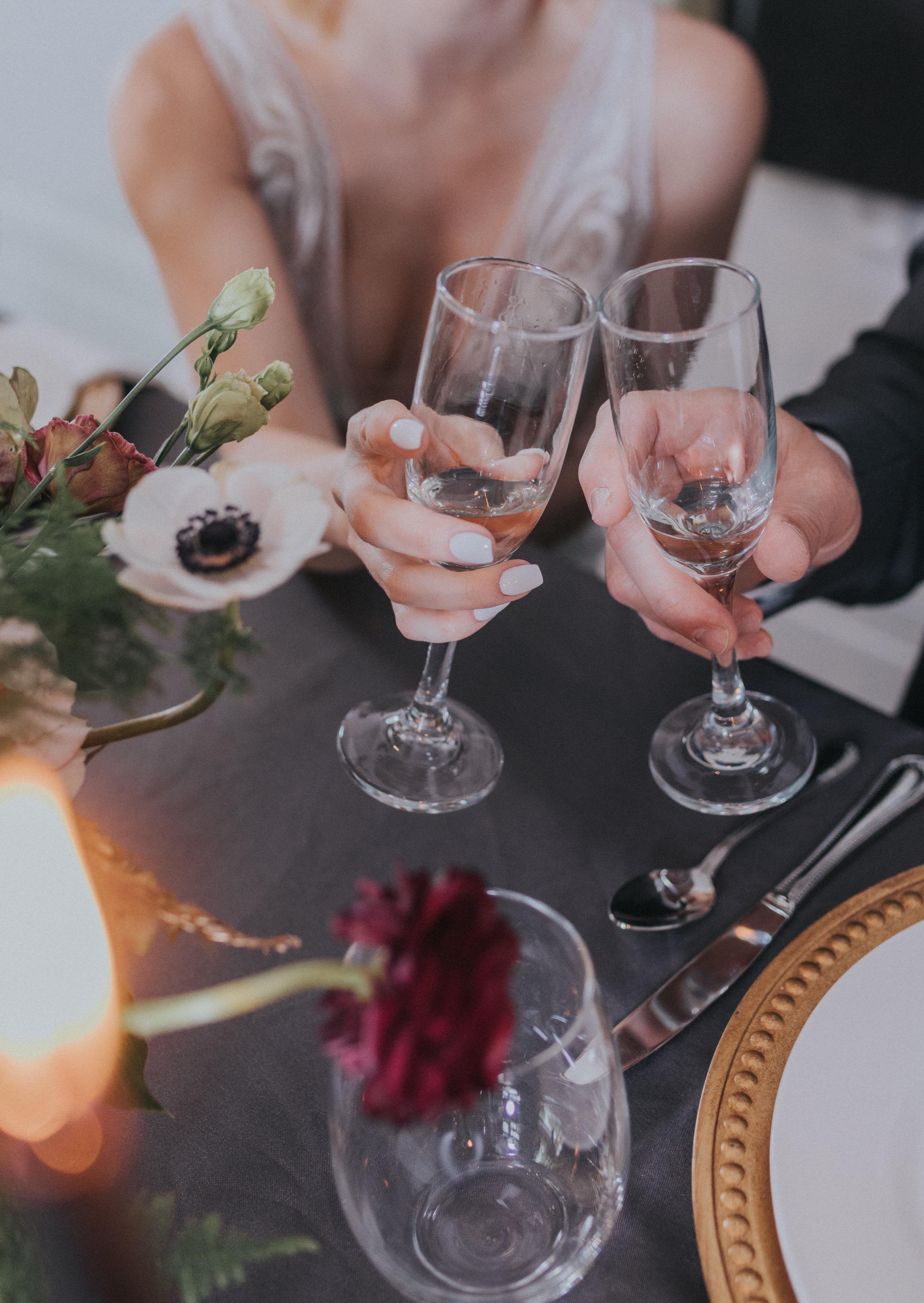 152 tiny-luxe-weddings-omaha-nebraska-midwest-empire-room.jpg