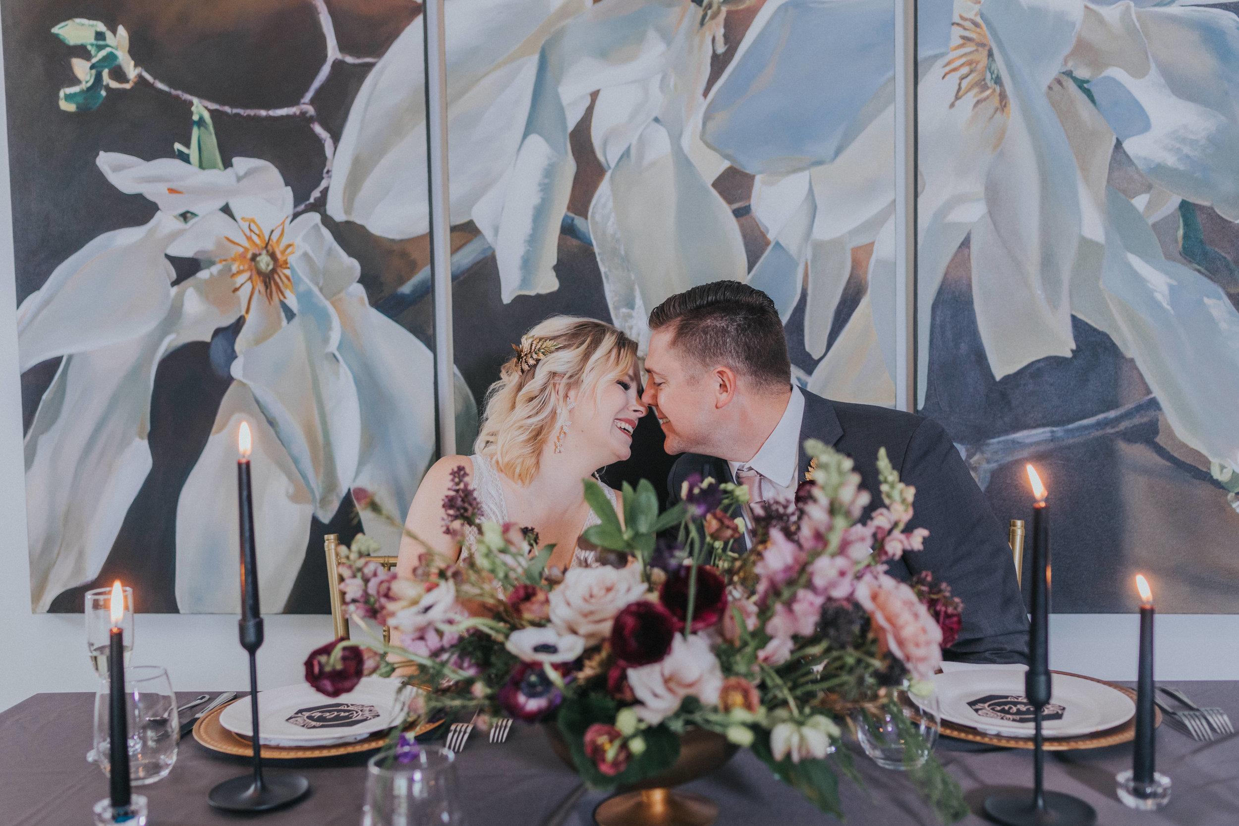151 tiny-luxe-weddings-omaha-nebraska-midwest-empire-room.jpg