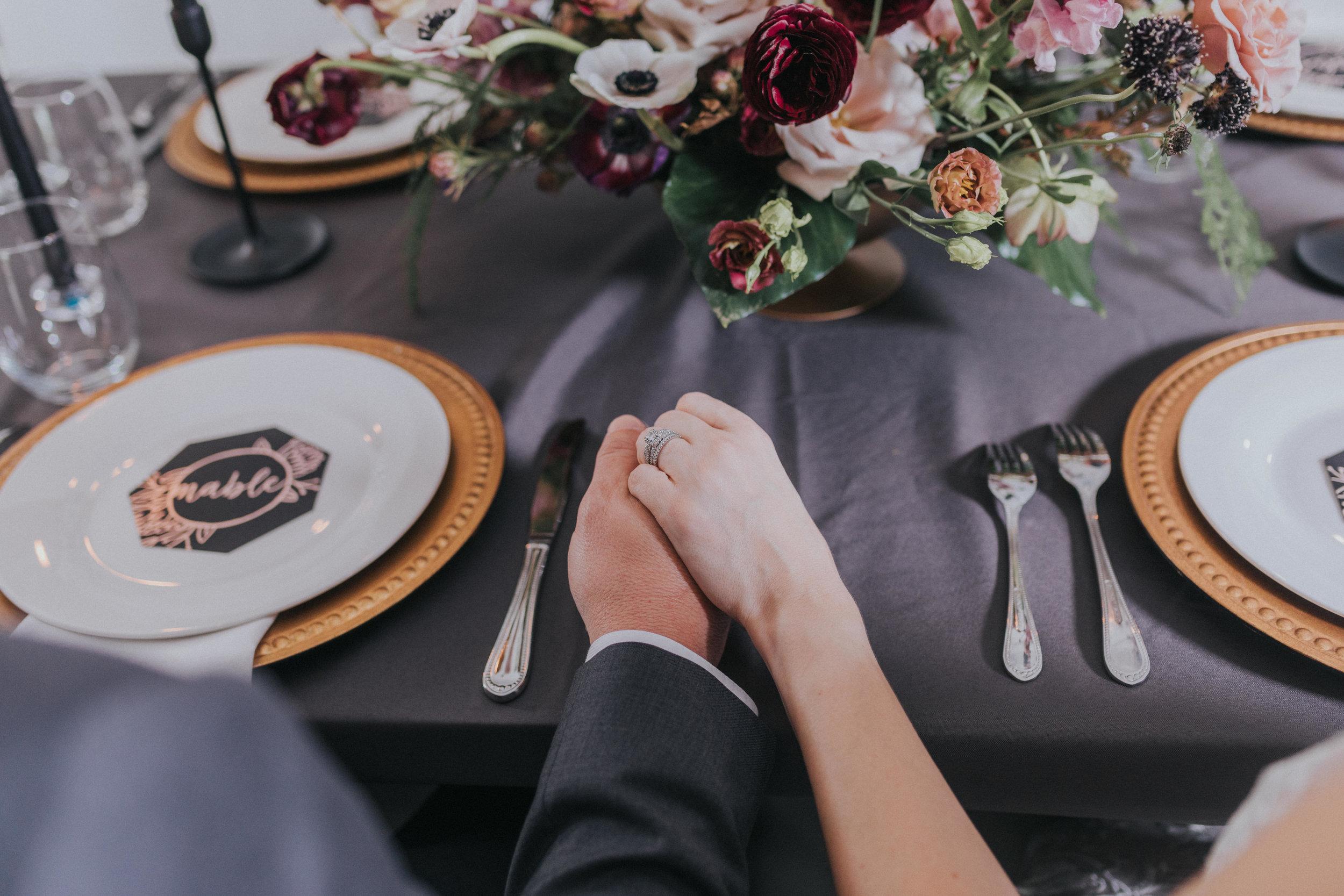 155 tiny-luxe-weddings-omaha-nebraska-midwest-empire-room.jpg