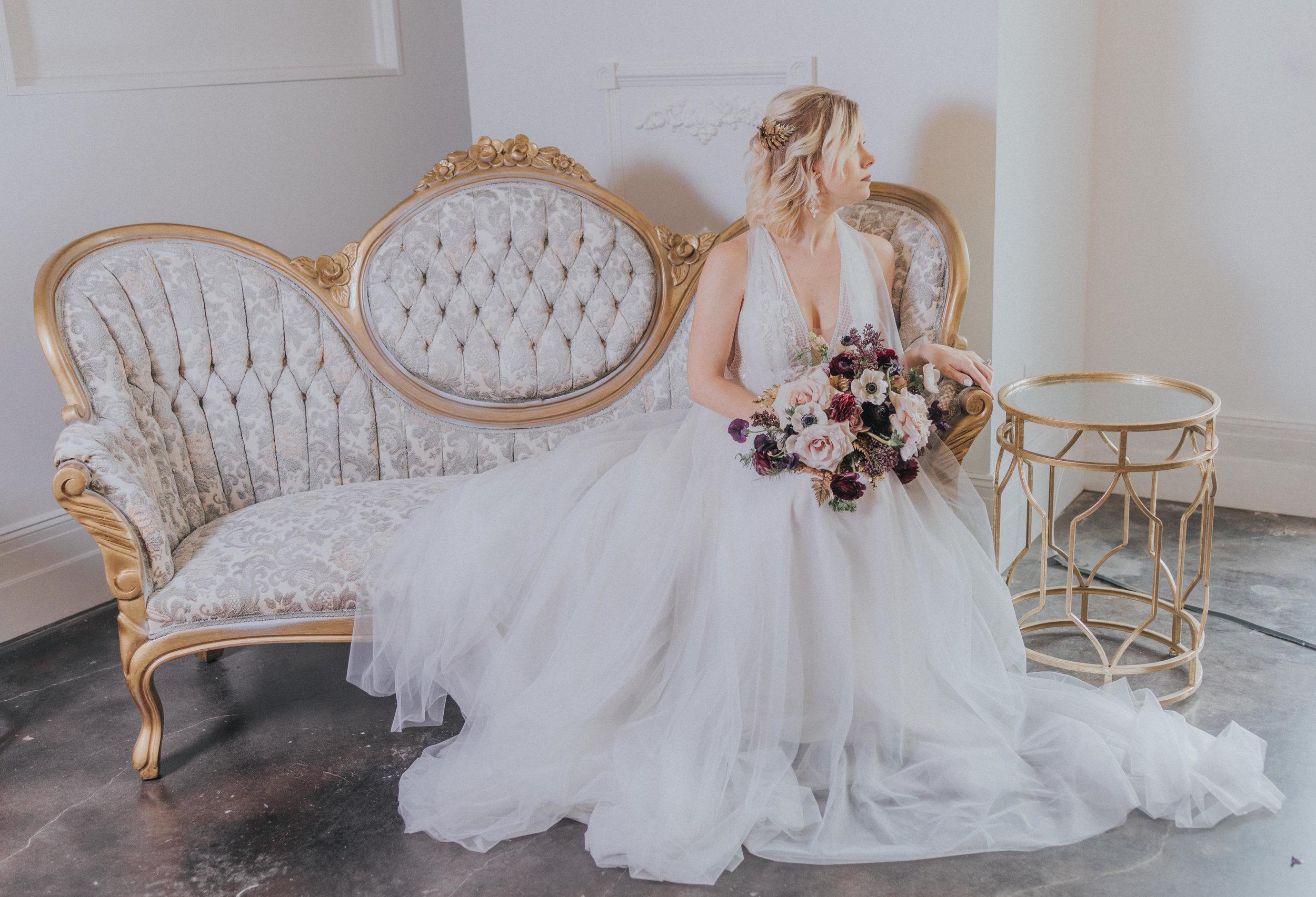 160 tiny-luxe-weddings-omaha-nebraska-midwest-empire-room.jpg