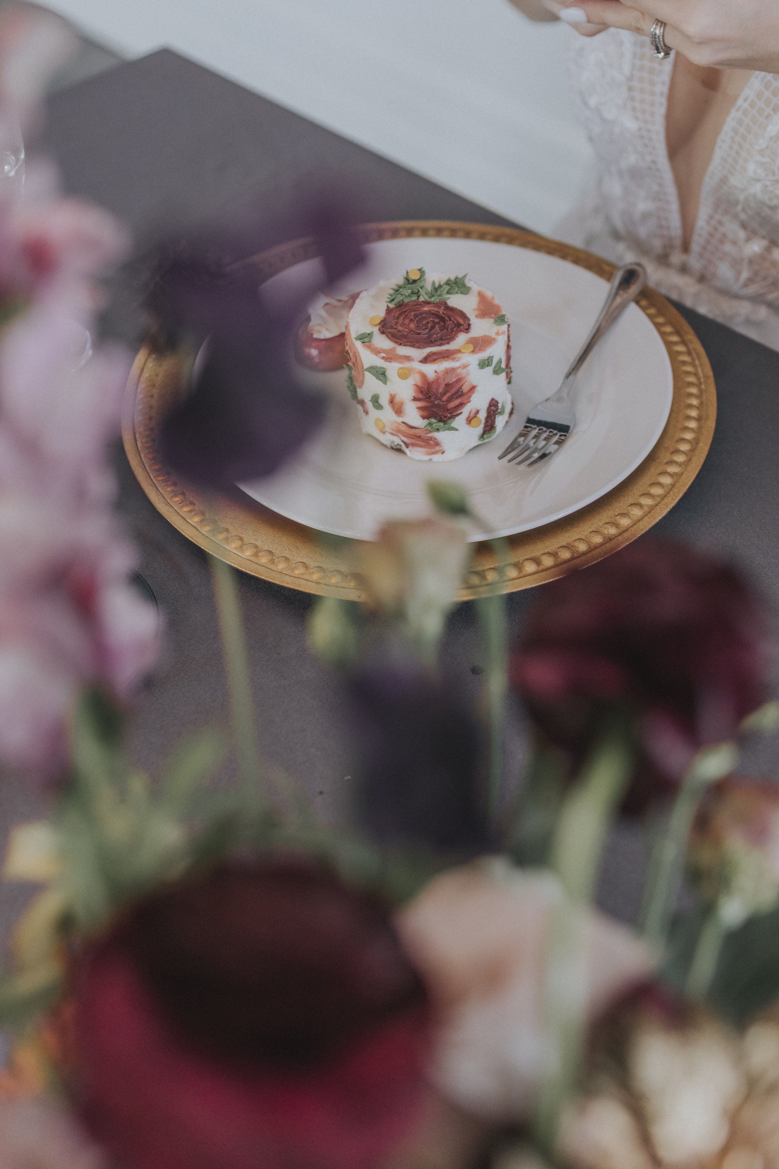210  omaha-nebraska-empire-room-tiny-luxe-wedding-planner.jpg