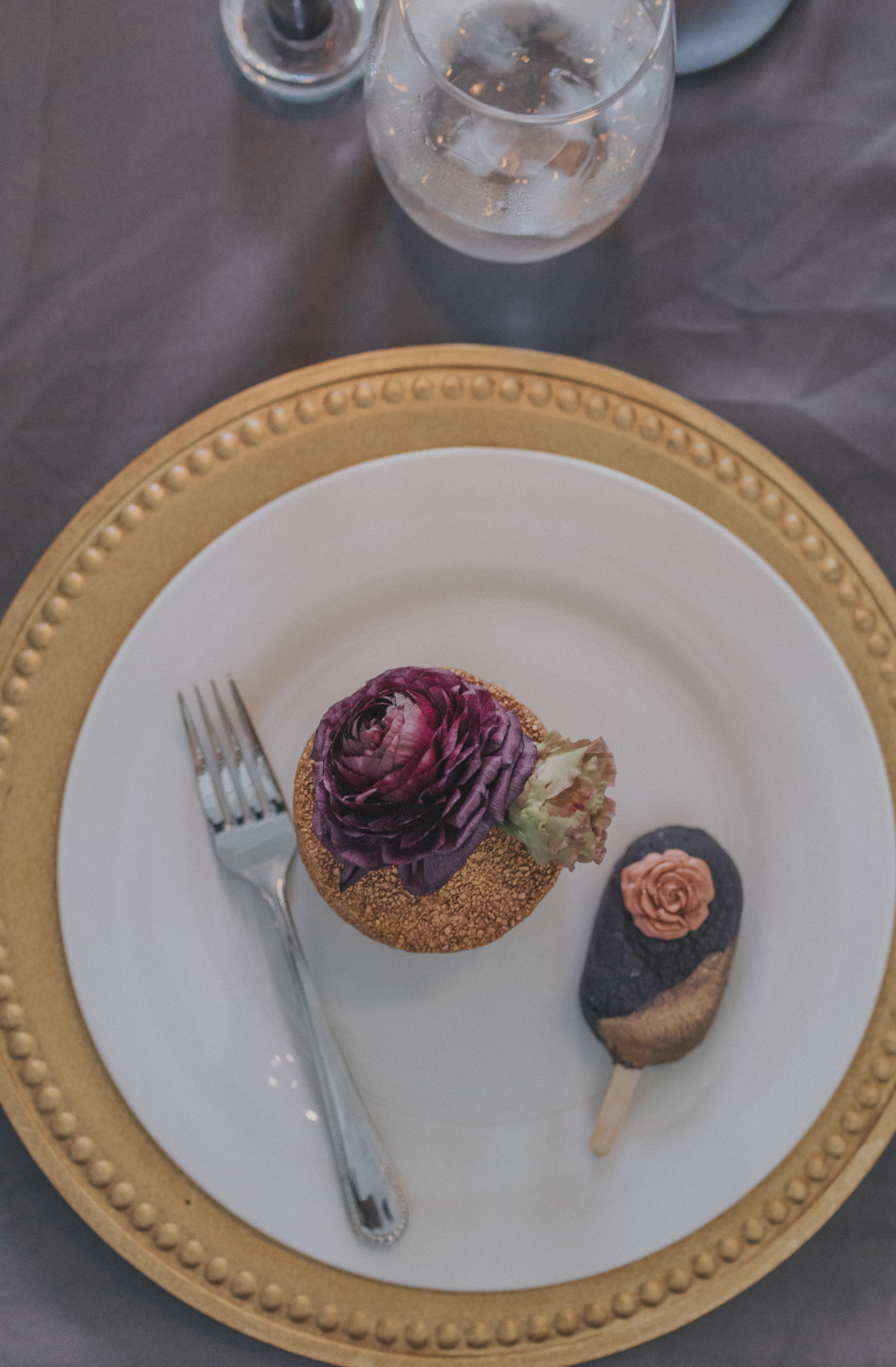 214  omaha-nebraska-empire-room-tiny-luxe-wedding-planner.jpg