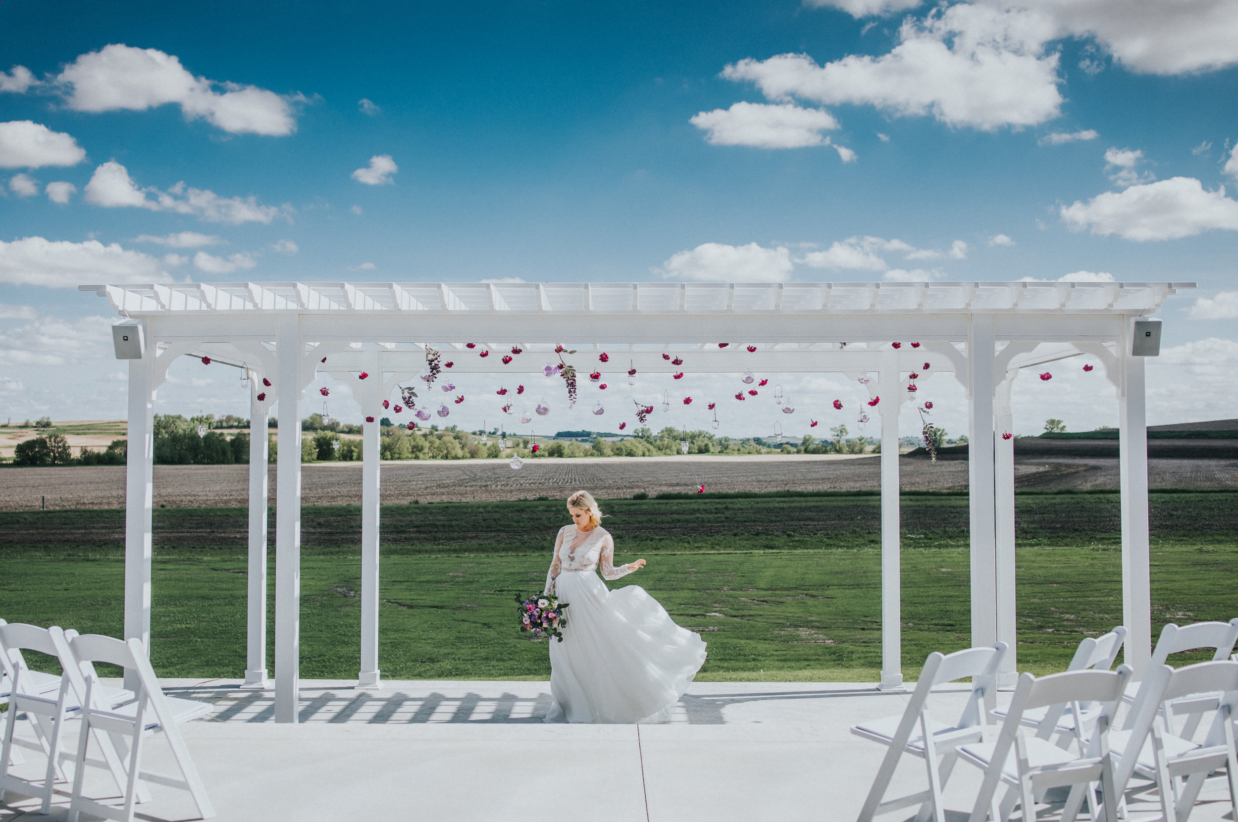 103 tiny-luxe-weddings-iowa-venue-photogeraphy-palace.jpg