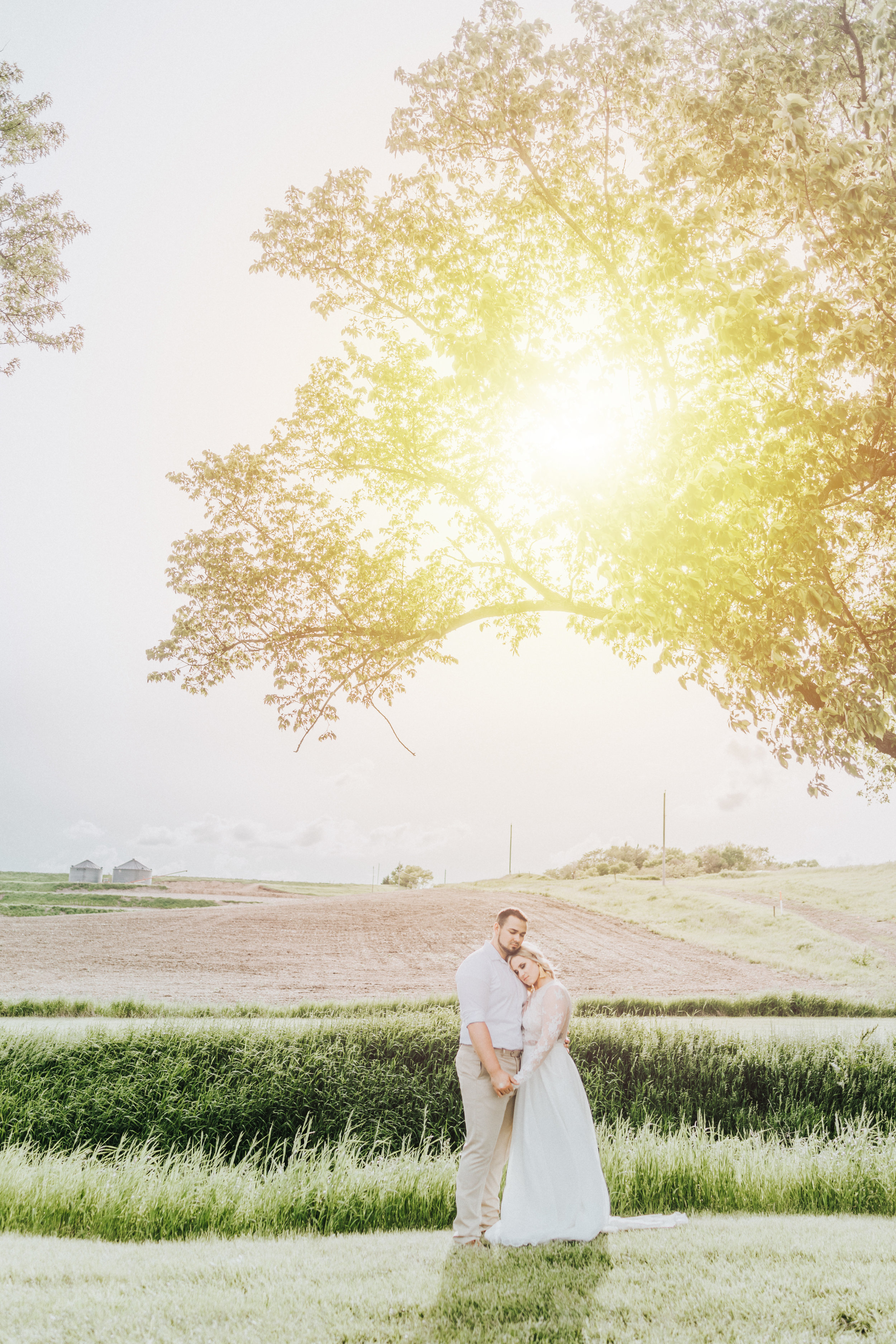 240 tiny-luxe-weddings-iowa-venue-photogeraphy-palace.jpg
