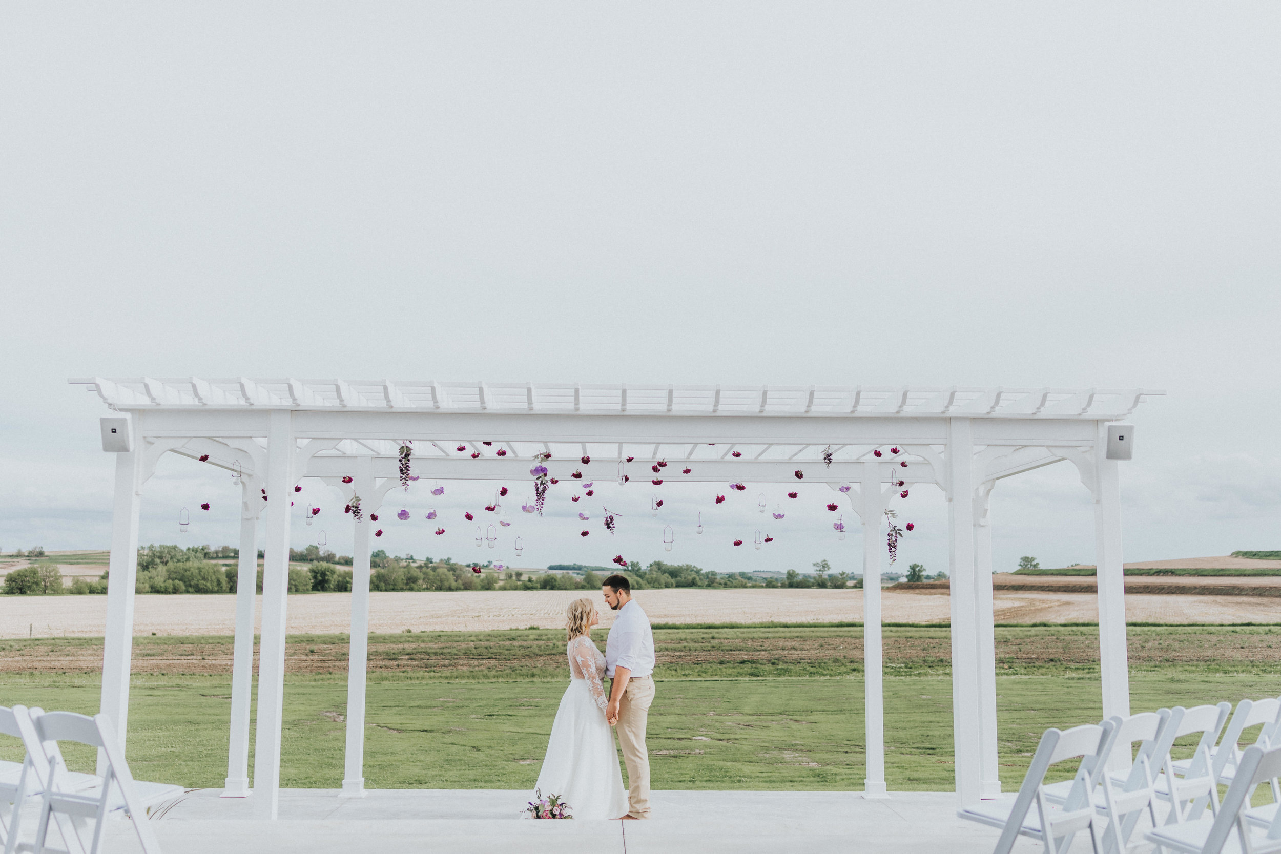 258 tiny-luxe-weddings-iowa-venue-photogeraphy-palace.jpg
