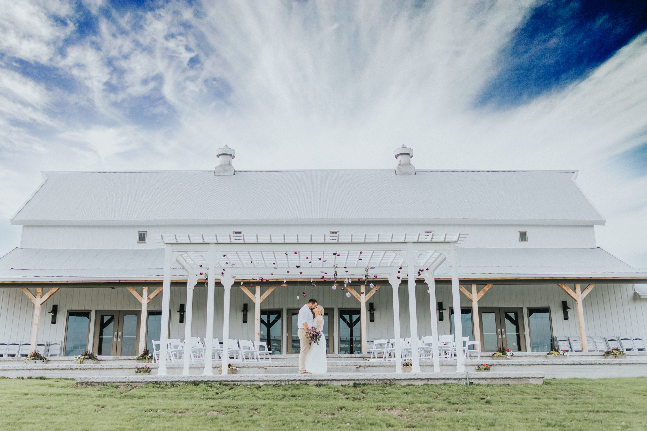 263 tiny-luxe-weddings-iowa-venue-photogeraphy-palace.jpg