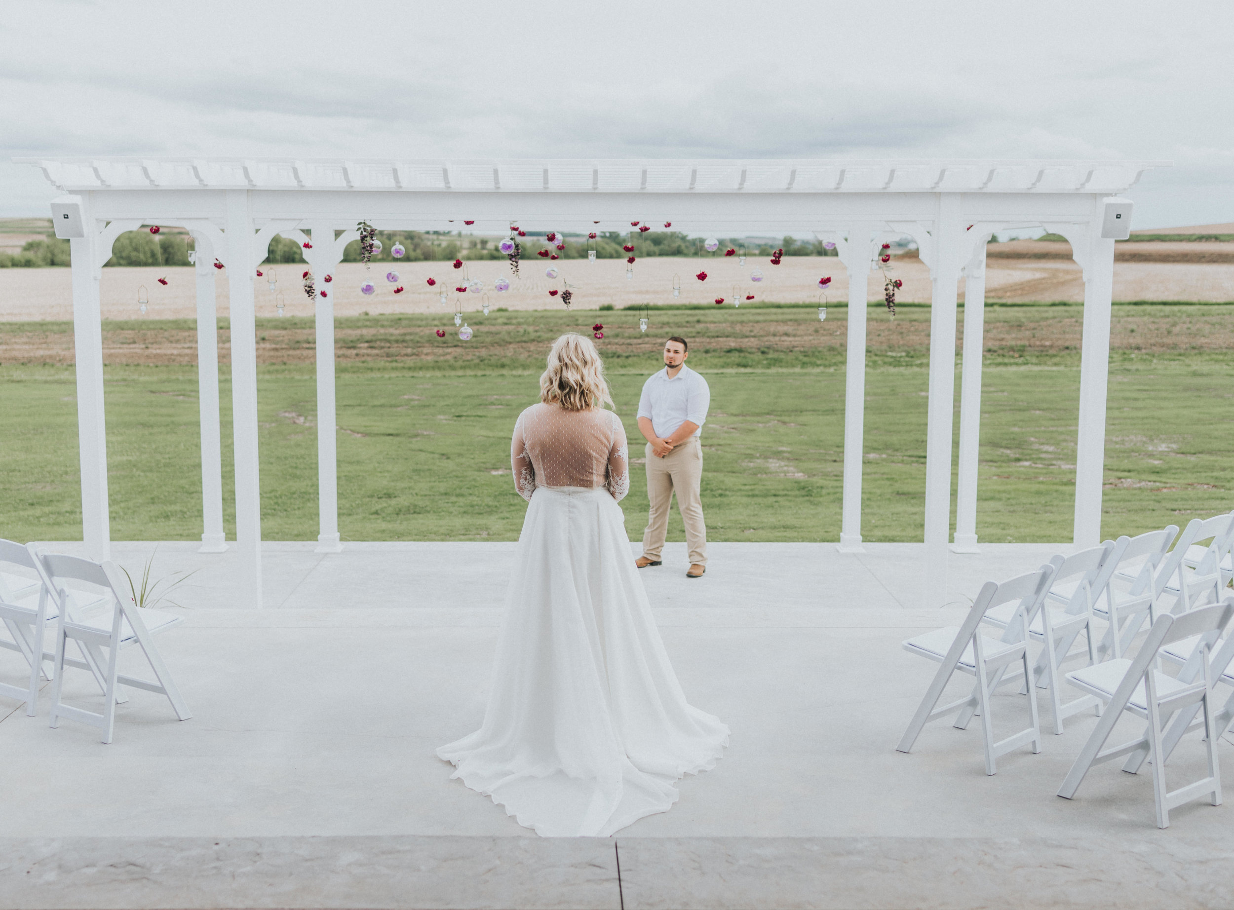 277 tiny-luxe-weddings-iowa-venue-photogeraphy-palace.jpg