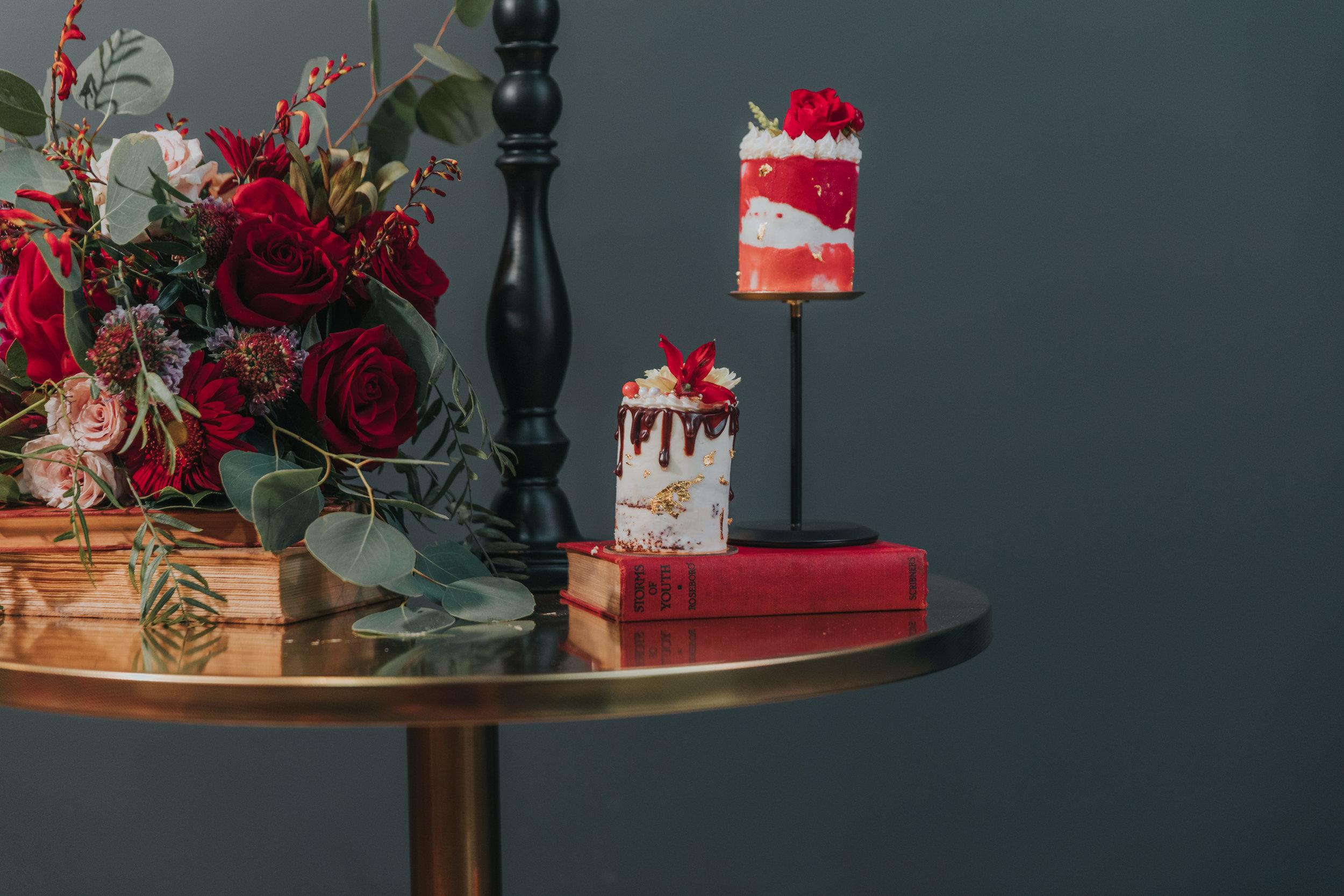 29 omaha-wedding-cakes-tiny-luxe-weddings.jpg