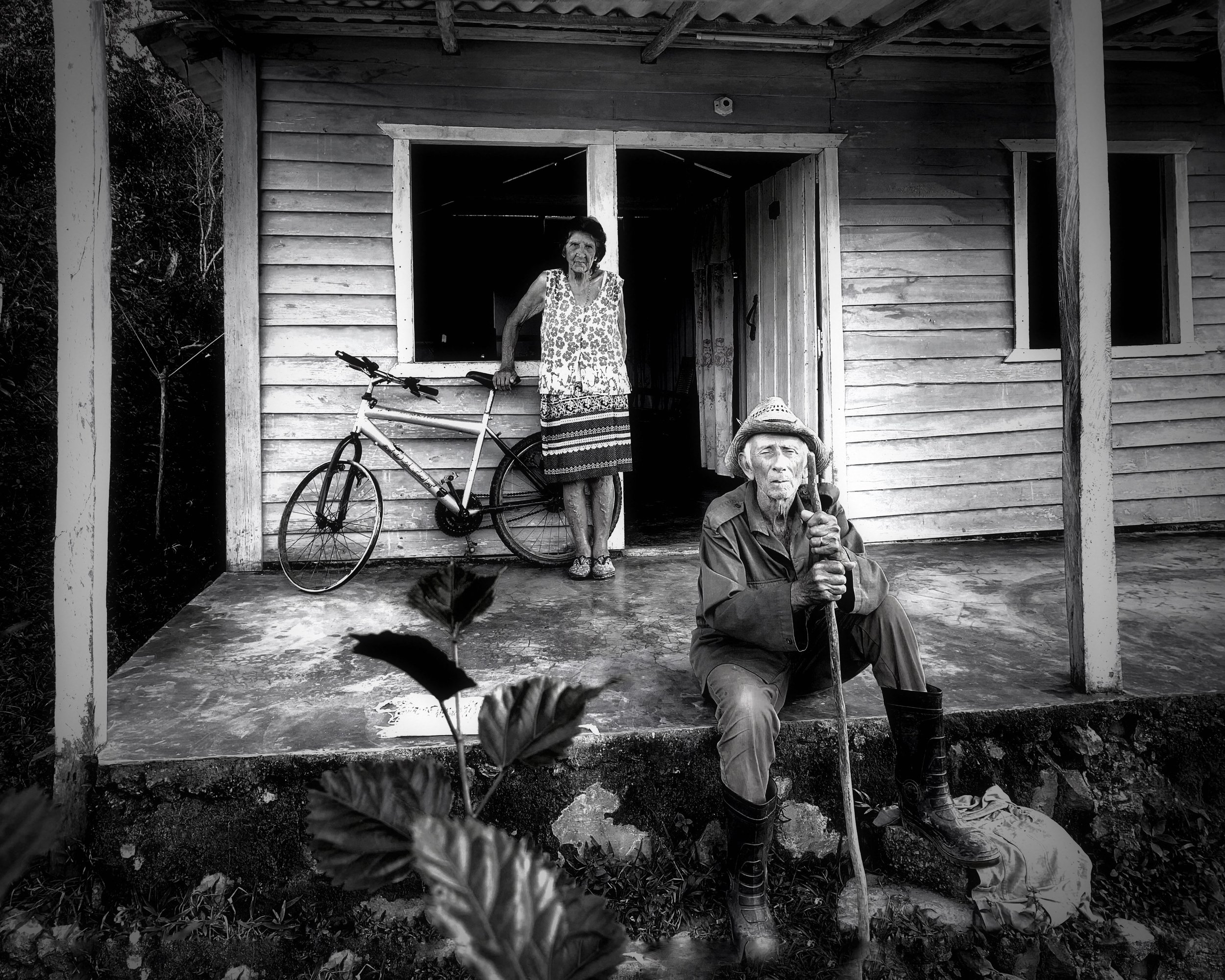 Farm Family, Vinales by Rad Drew