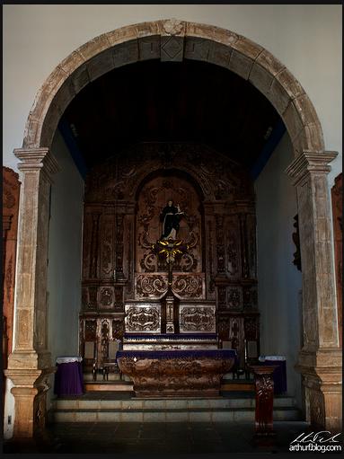 Altar-Mor com Santo Antônio entronizado.