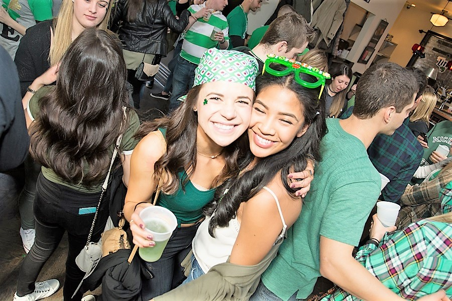 OTS_StPatricksDayChicago_cute_girls.jpg