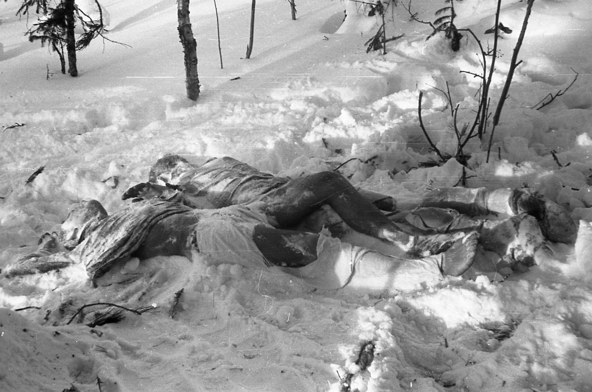 Bodies of Krivonischenko and Doroshenko; Photo taken by Soviet authorities.