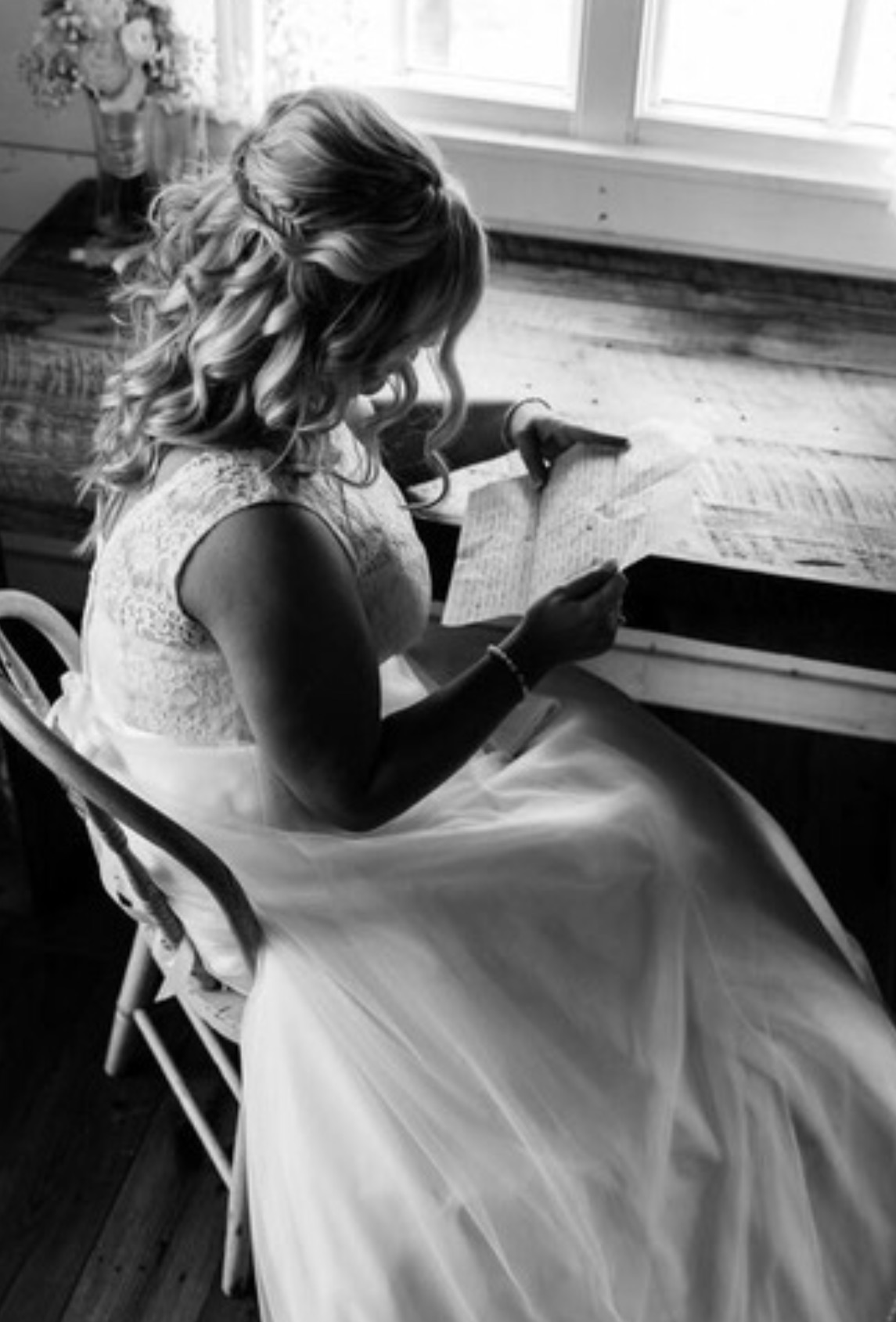 - 6. SWOONING CURLSSOFT CURLS FALL OVER THE BRIDE'S SHOULDERS AS A BRAIDED PIECE COMPLETES THE HALF UP HALF DOWN BRIDAL LOOK....BRIDE: JOANNE KAE MILLERHAIR STYLIST: NATALIE BESINGER AT SMOAK SALONPHOTOGRAPHER: MATT NELSON & KATIE FRASSINELLI MILLICAN