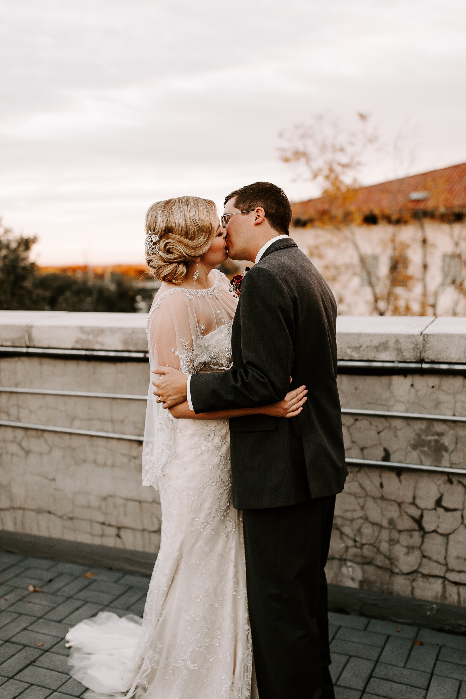"""- 9. VINTAGE GLAMOURTHE S CURL STANDS FOR """"STATEMENT"""" WITH THIS DRAMATIC, SIDE-SWEPT UPDO....BRIDE: DEVON ROGERS BILBROHAIR STYLIST: MADISON BILELLO HAIR AND MAKEUPPHOTOGRAPHER: RENDY TAYLOR"""