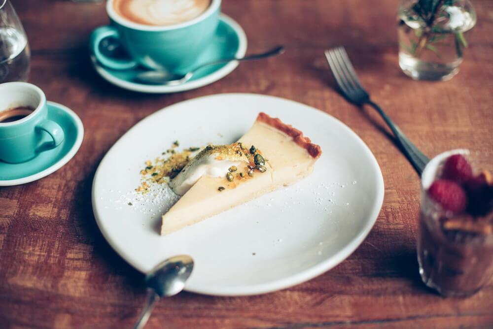 Deserts-cake-dinner-frome.jpg