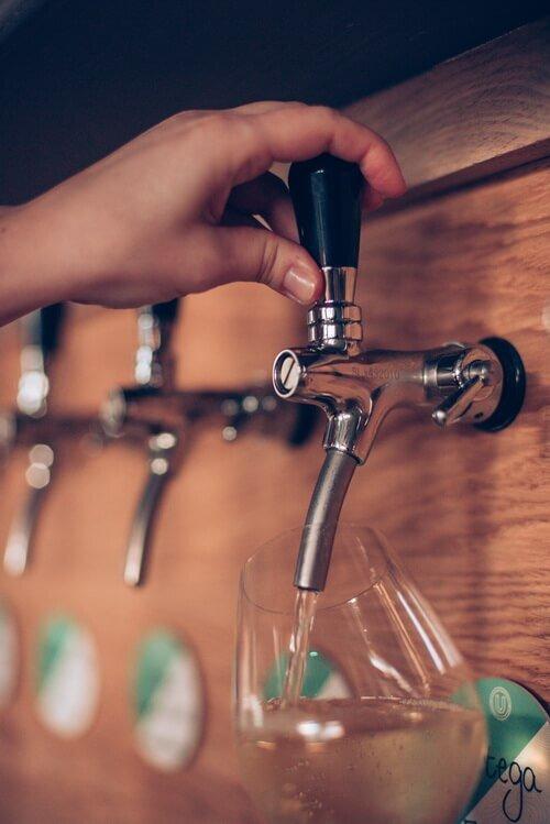 eight-stonys-street-wine-on-tap.jpg