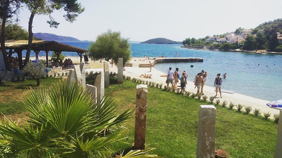 croatia front 2.jpg