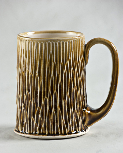 gold porcelain mug 3 view 2 .jpg