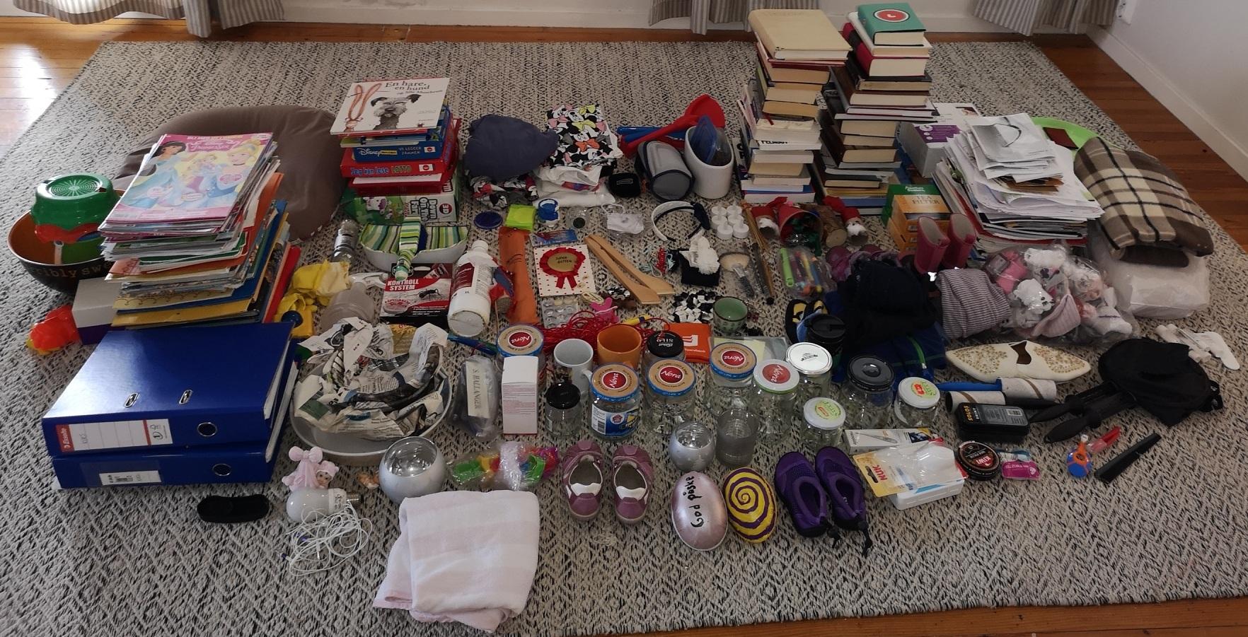 Her er resultatet av ryddeutfordringen for meg - 500 ting på ett brett!