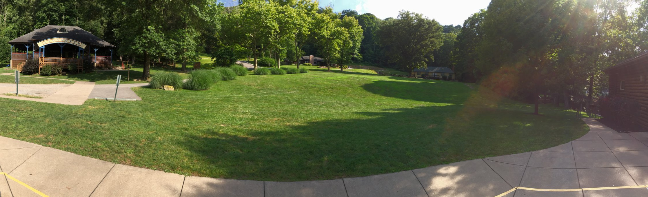 Avonworth-community-park-field-IMG_4611.jpg