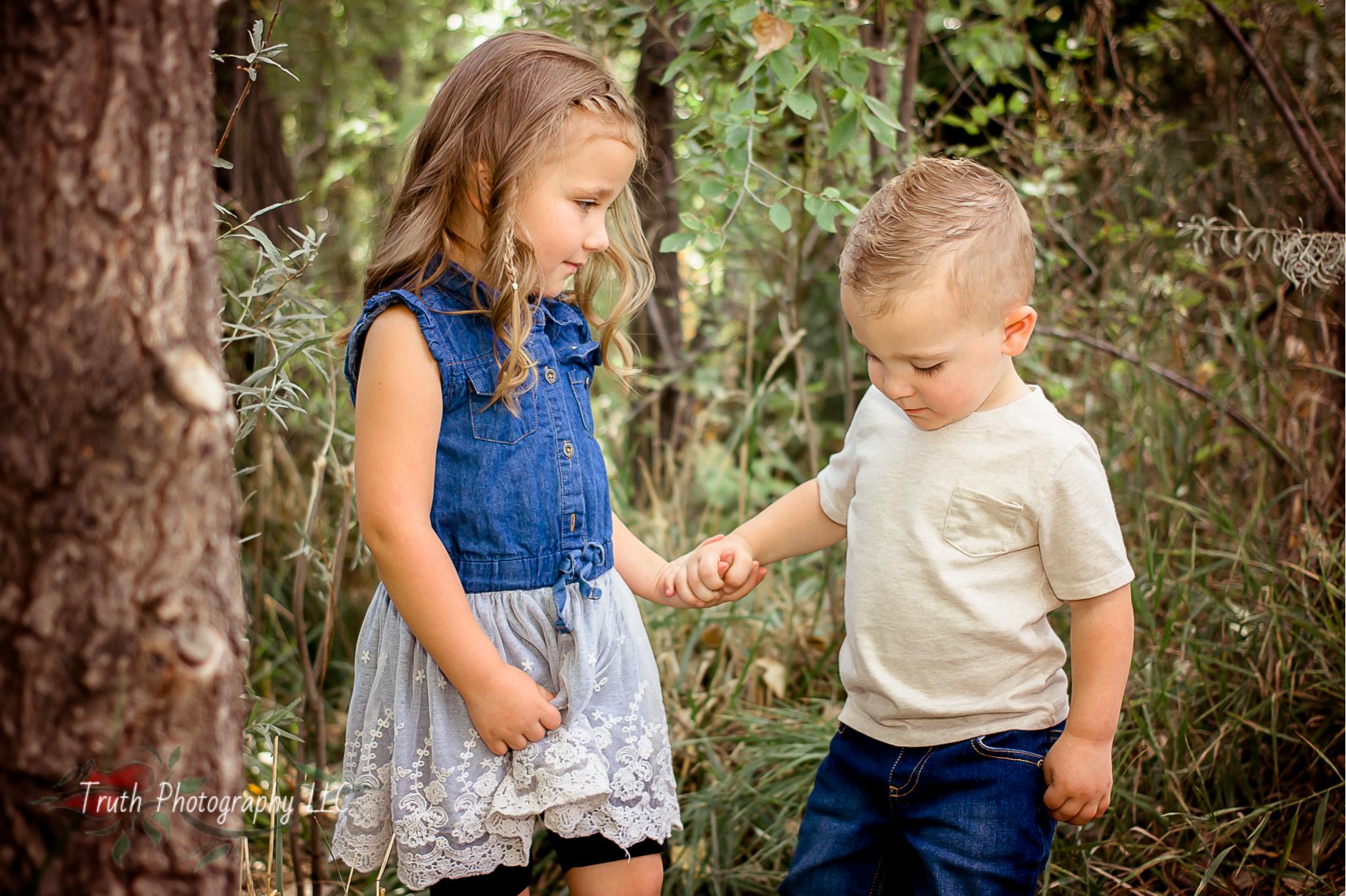 Truth-Photography-Golden-family-photos.jpg